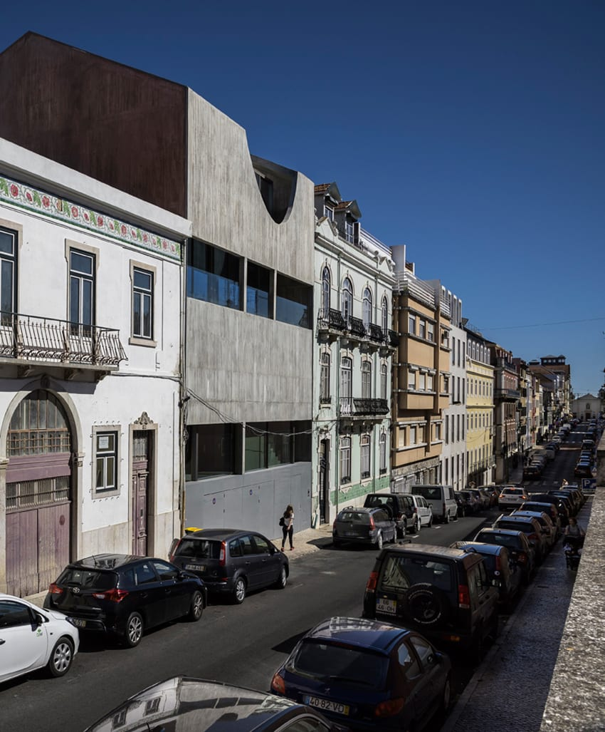 House in Estrela, Lisbon, Portugal by Aires Mateus | Yellowtrace