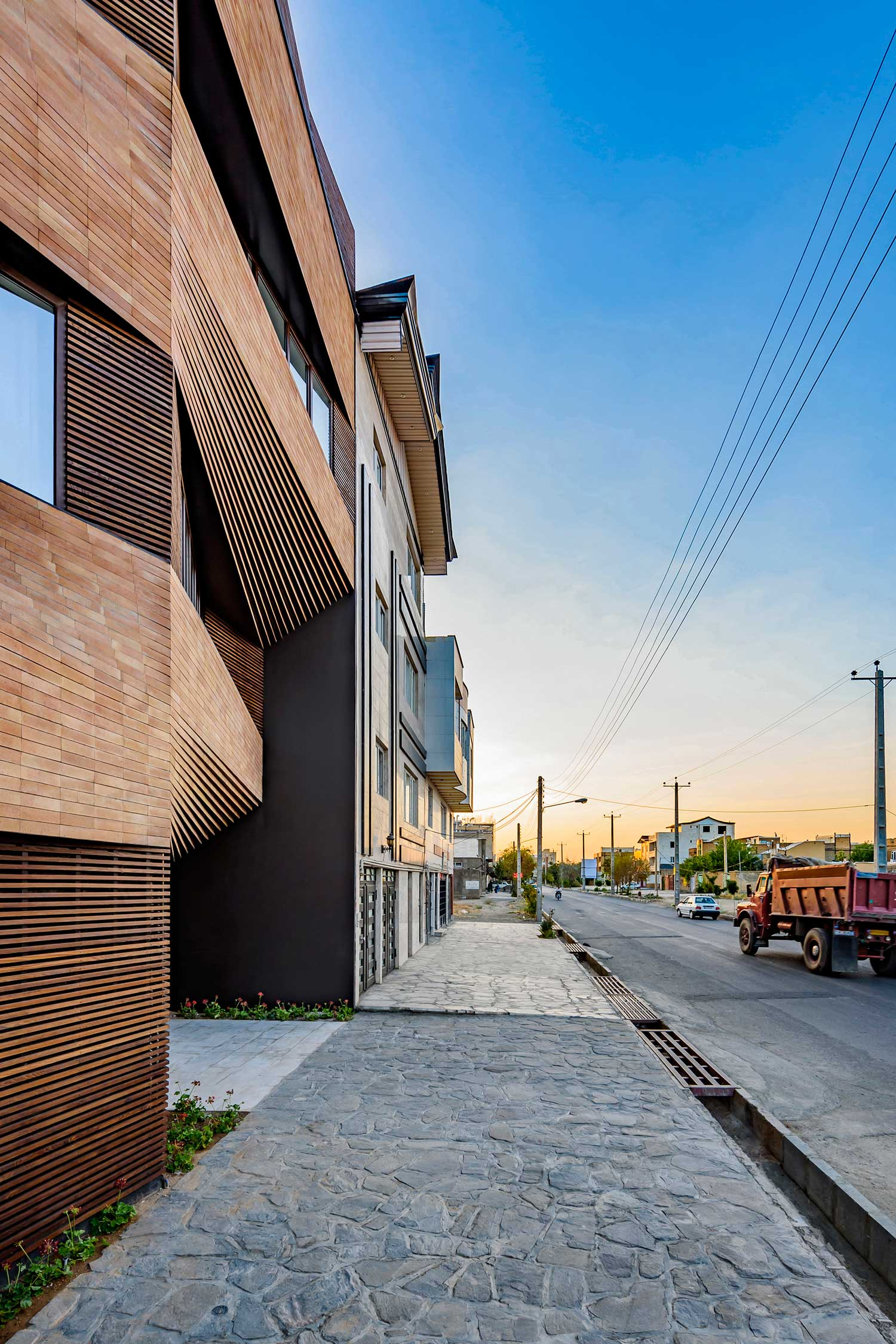 Qorveh House by ReNa Design | Yellowtrace