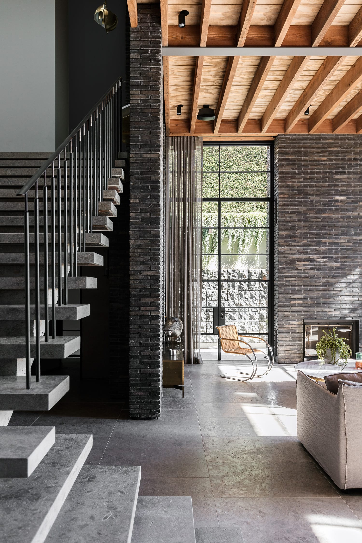 Laycock Road House In Sydney By Telly Theodore Allied Office. Photo Tom Ferguson | Yellowtrace