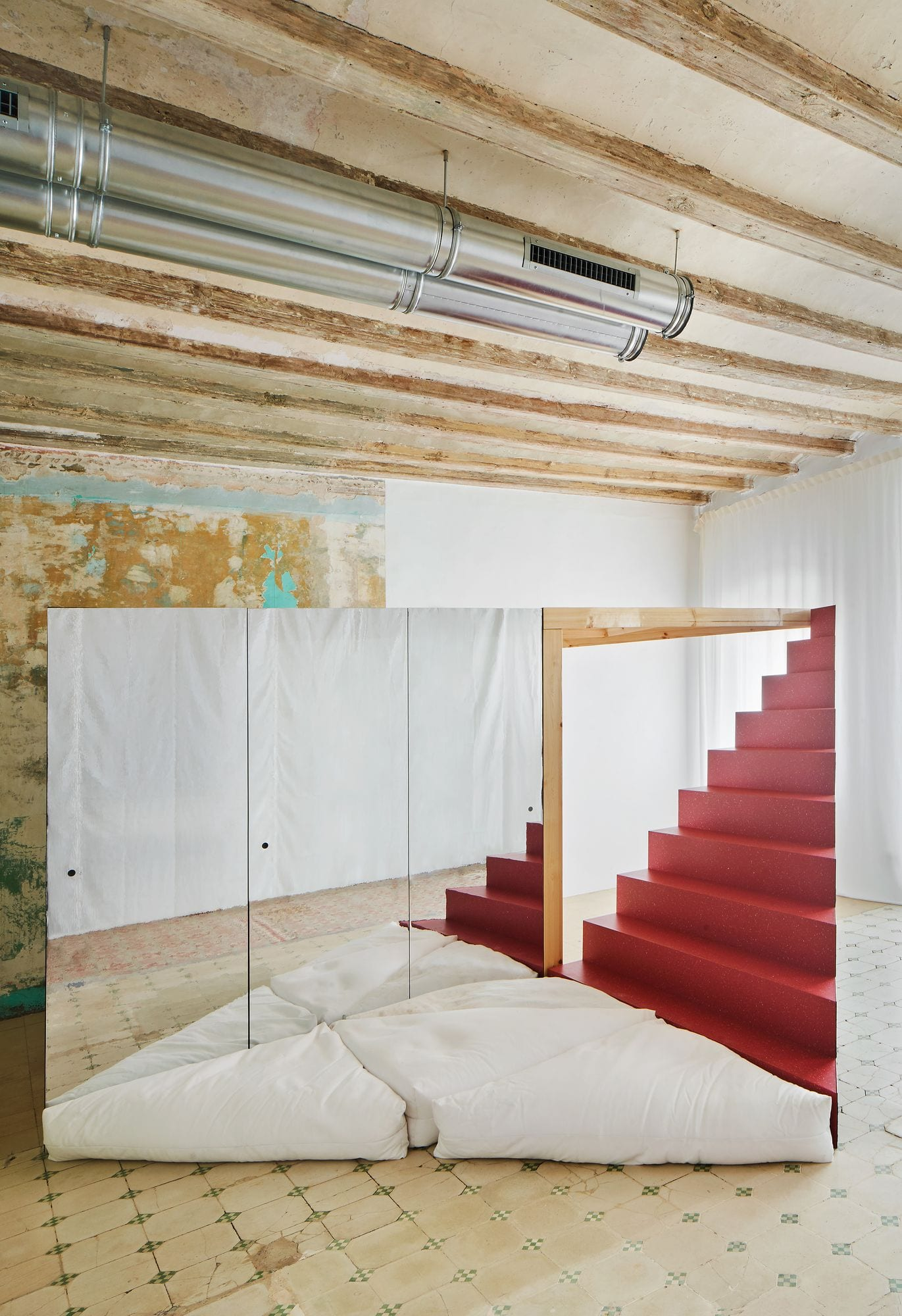 Transforming Room For Child Inside Barcelona Apartment By P M A A Yellowtrace 02