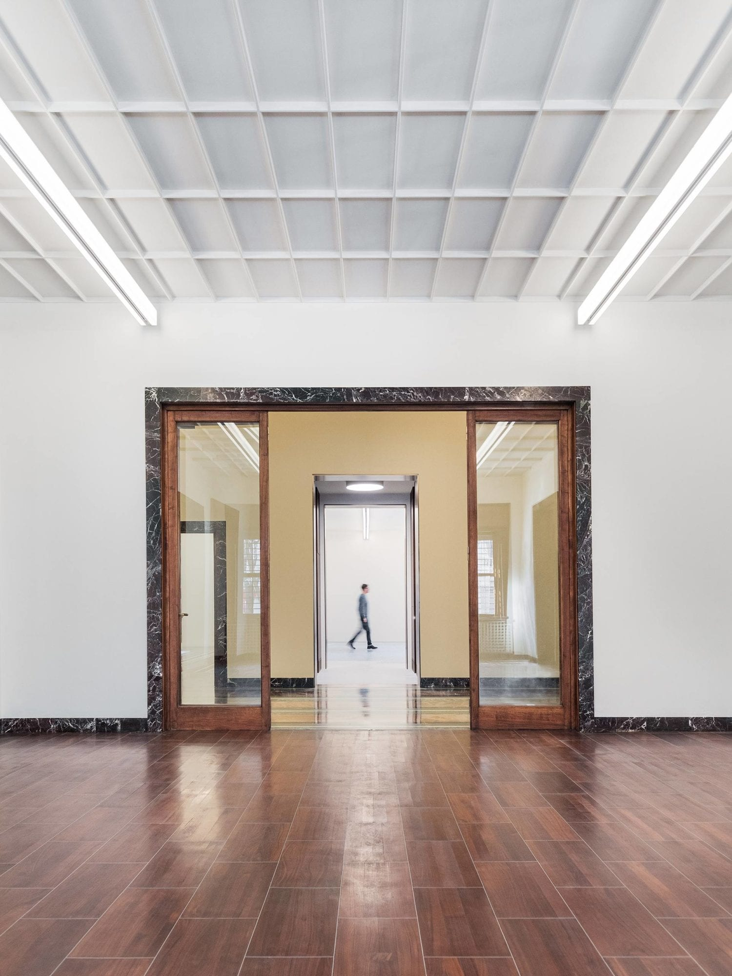 1930s Piero Portaluppi Milan Apartment Transformed Into Massimo De Carlo Gallery By Studio Binocle And Antonio Citterio Yellowtrace 10