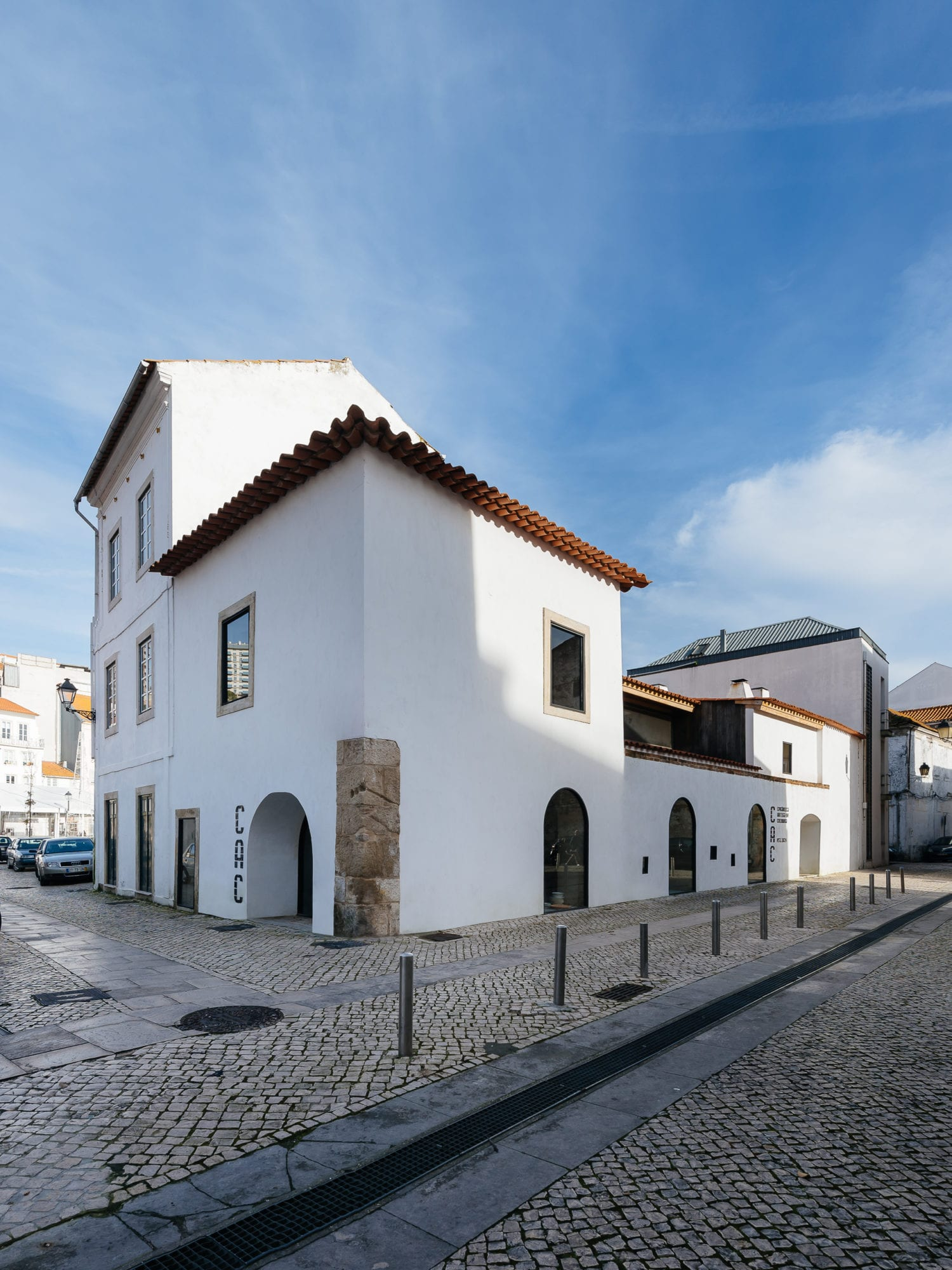 Luisa Bebiano And Atelier Do Corvo Renovation Old Ceramic Society Of Coimbra 18th Century Building Yellowtrace 02