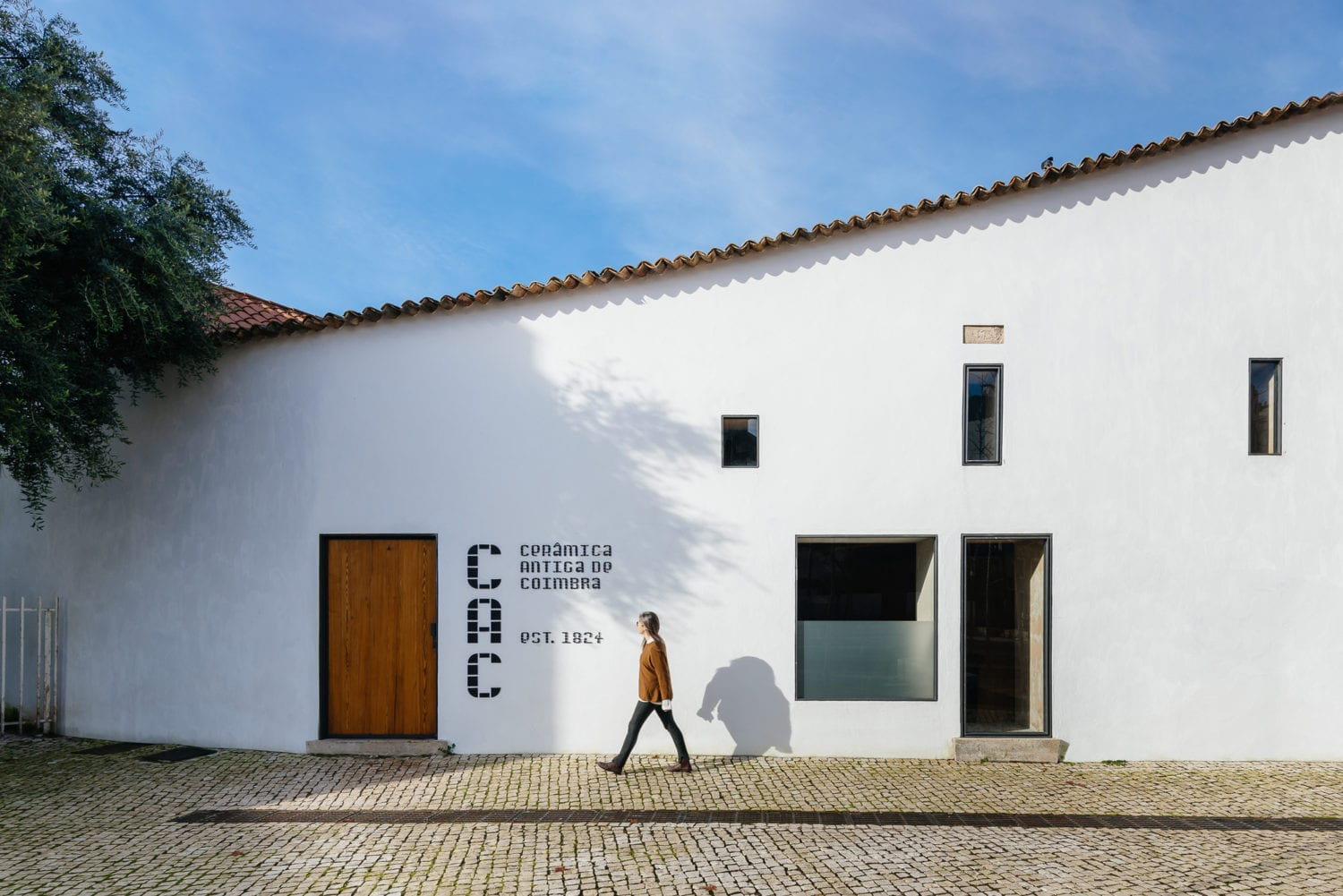 Luisa Bebiano And Atelier Do Corvo Renovation Old Ceramic Society Of Coimbra 18th Century Building Yellowtrace 04