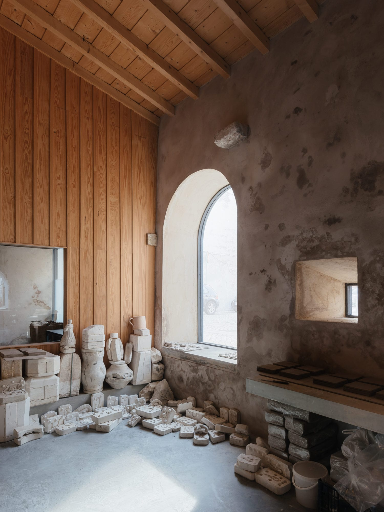 Luisa Bebiano And Atelier Do Corvo Renovation Old Ceramic Society Of Coimbra 18th Century Building Yellowtrace 08