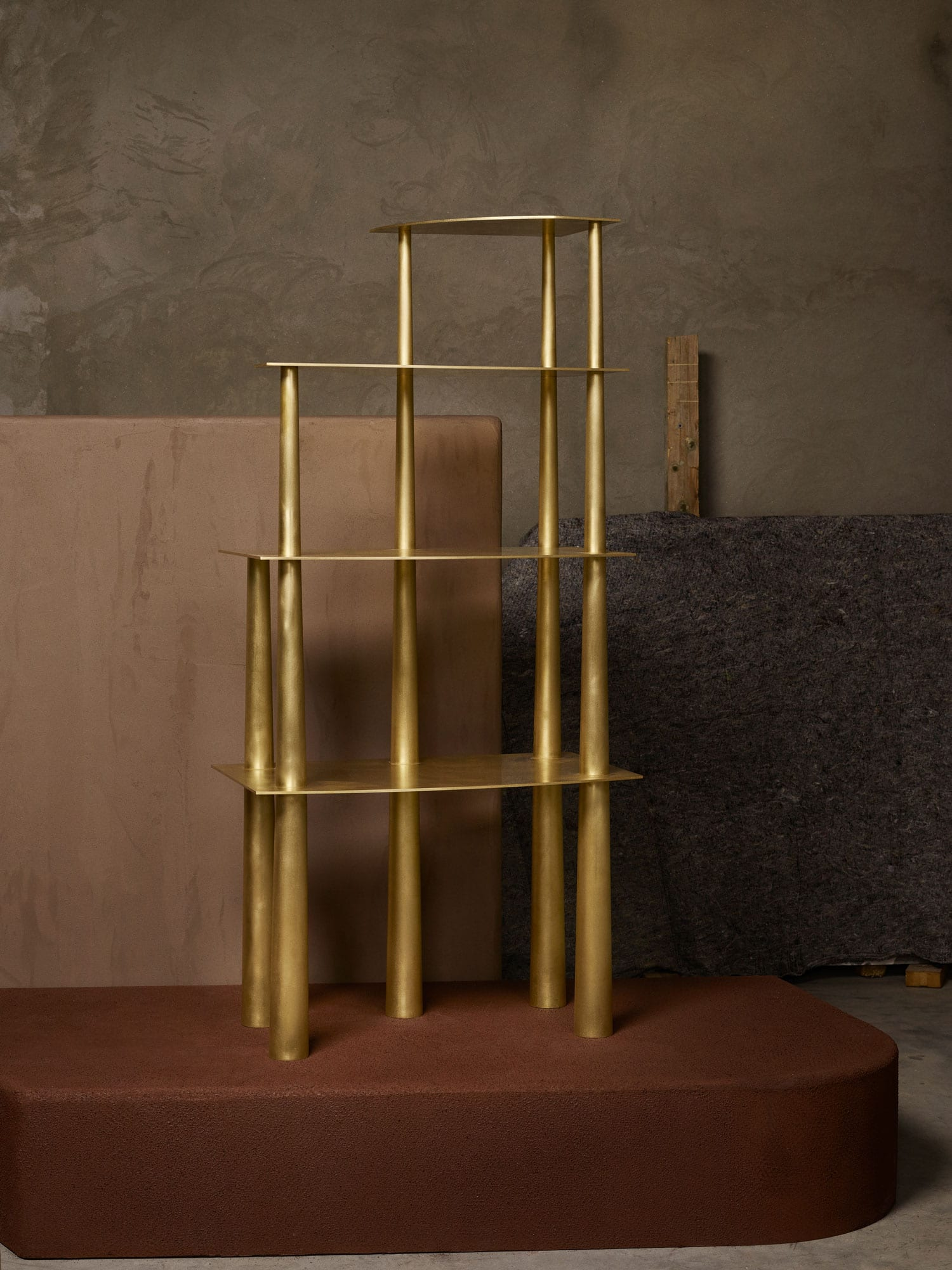 Collective Brut Explores Bodem Limited Edition Furniture Collection Linde Freya Tangelder Photo Alexander Popelier Yellowtrace 02