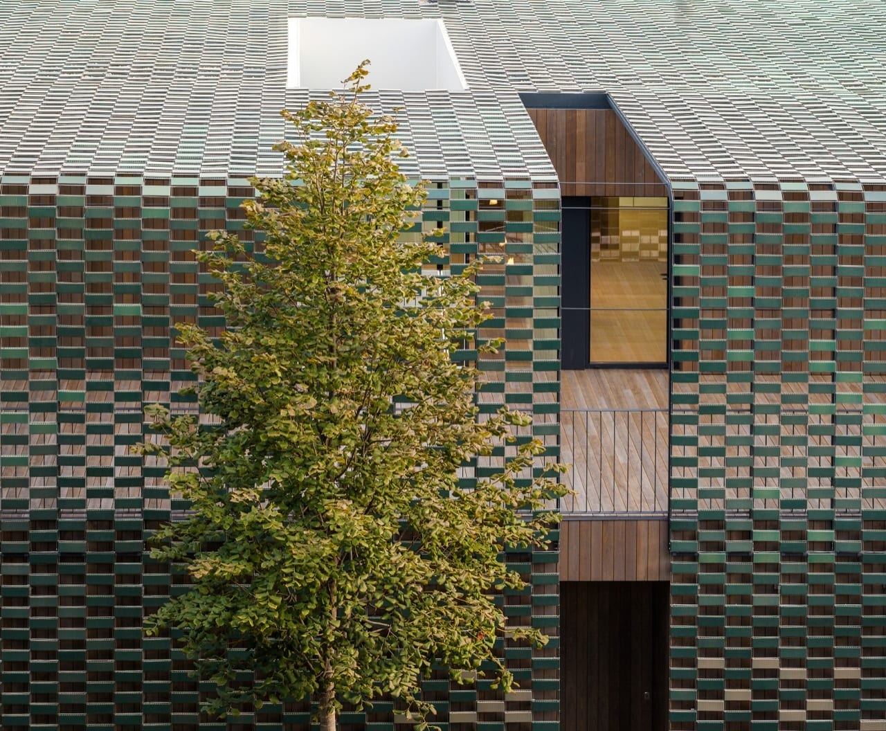 Tr House in Barcelona by Pmmt | Yellowtrace