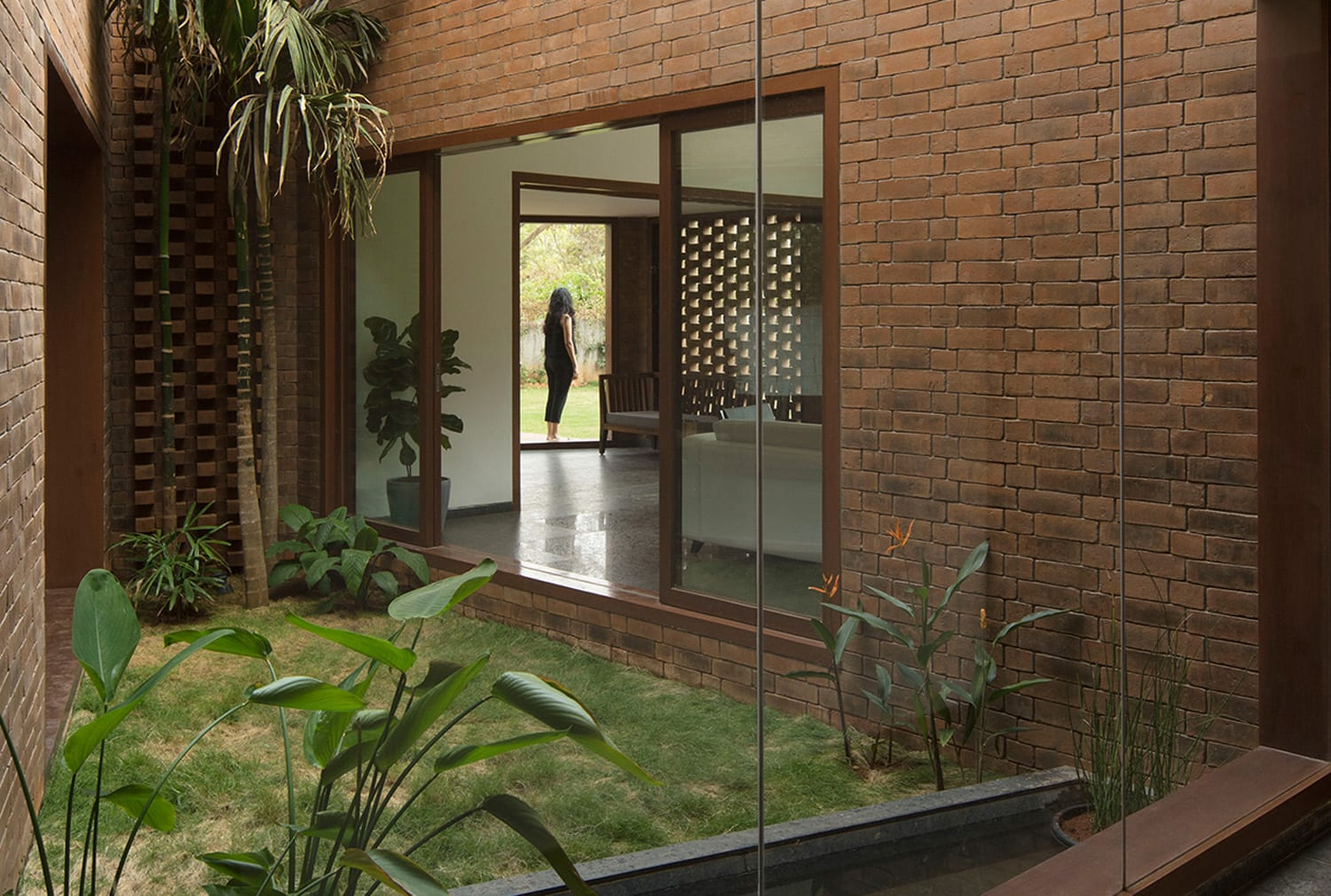 Brick House in Whitefield, India by Collectiveproject | Yellowtrace