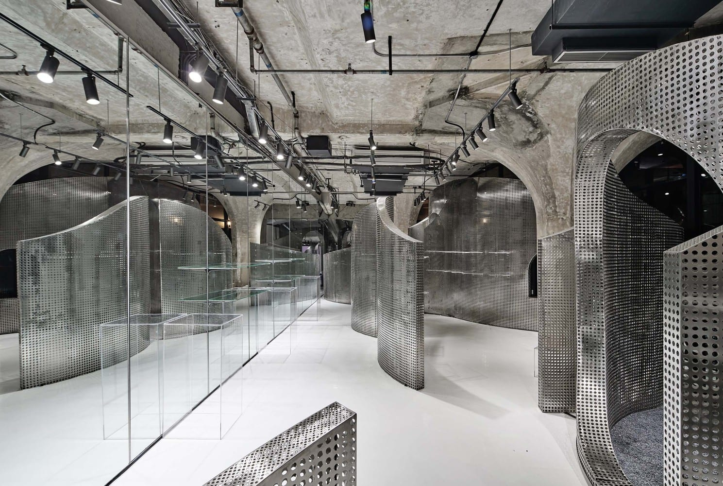 The Animal Backbone in Shanghai by I.F.S.E. Space Creative Lab | Yellowtrace