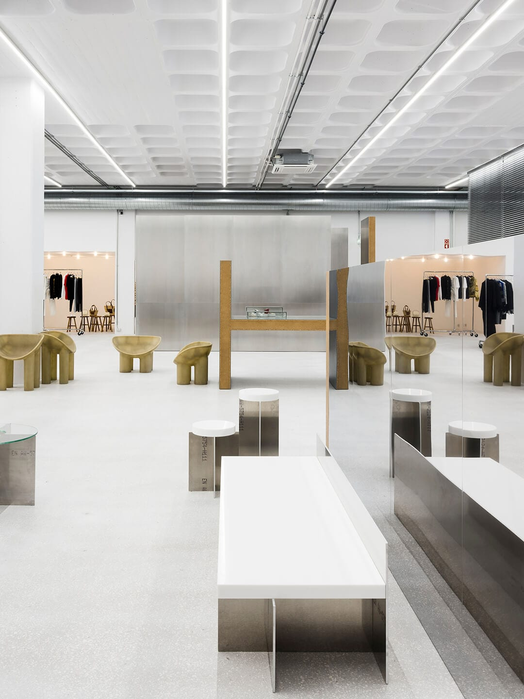 Tem-Plate Concept Store in Lisbon by Gonzalez Haase AAS | Yellowtrace