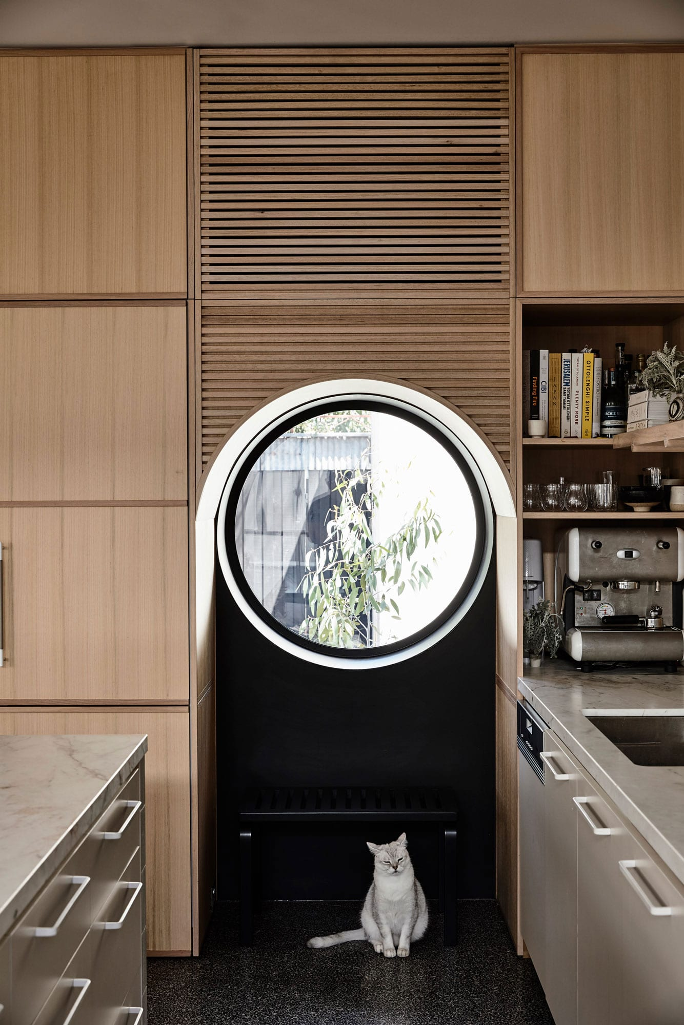 Caroline House in Melbourne by Kennedy Nolan | Yellowtrace