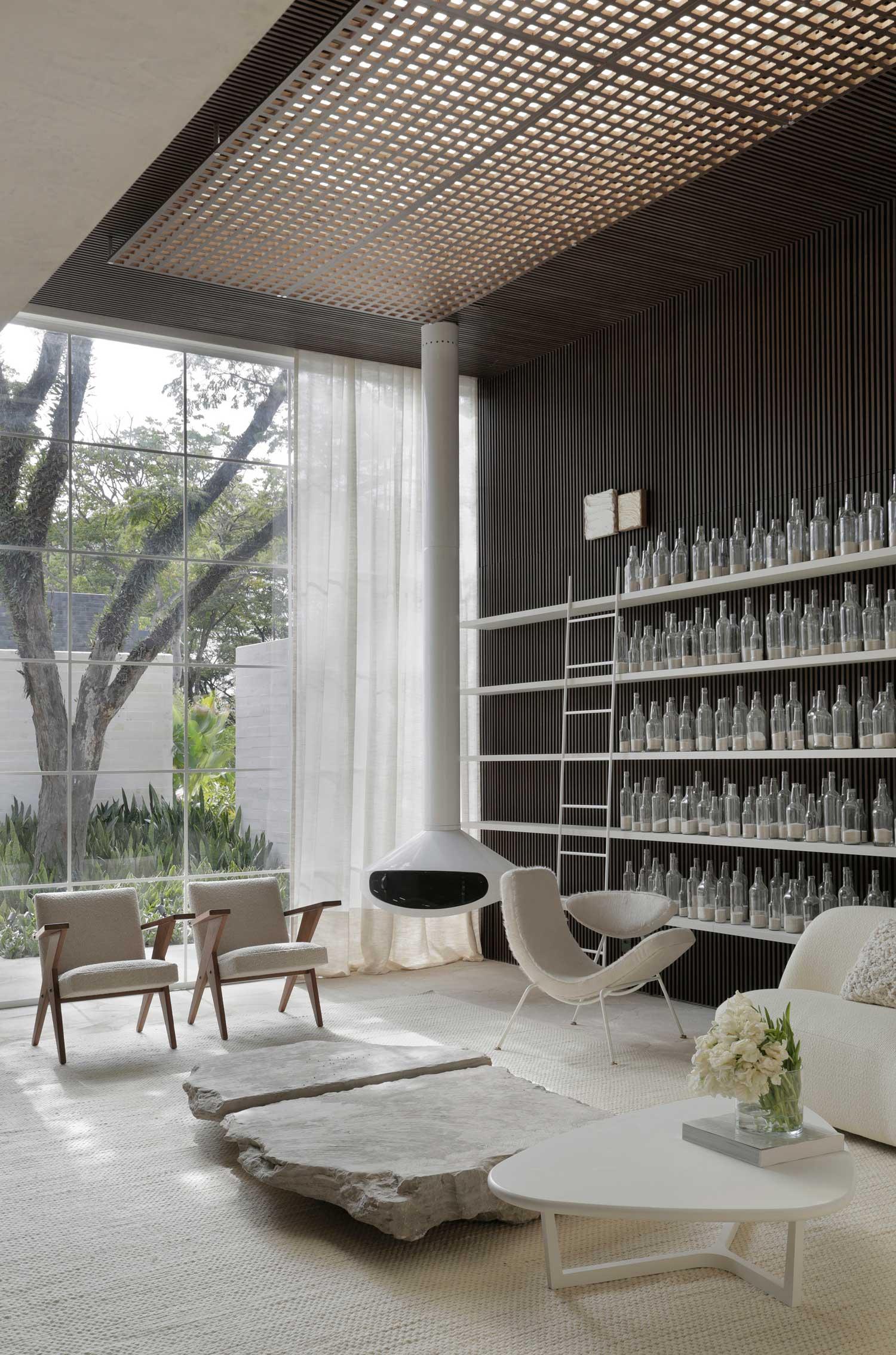 Dendê Duratex Concept House in Cidade Jardim, Brazil by Nildo José | Yellowtrace