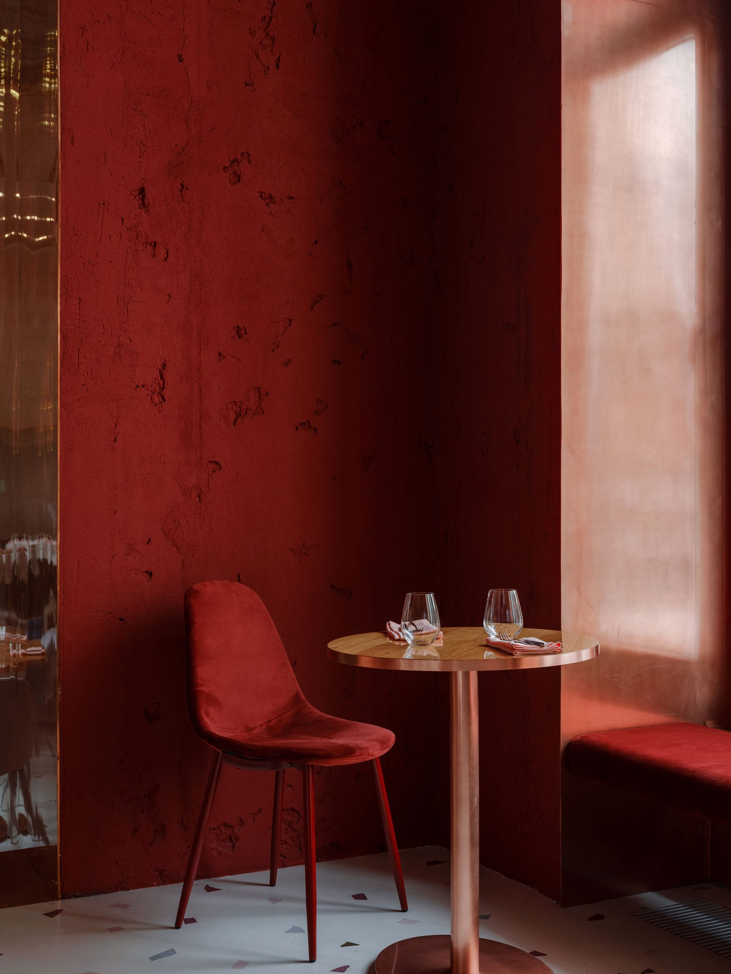 Pink Mama Restaurant In Moscow Russia By Crosby Studios Yellowtrace