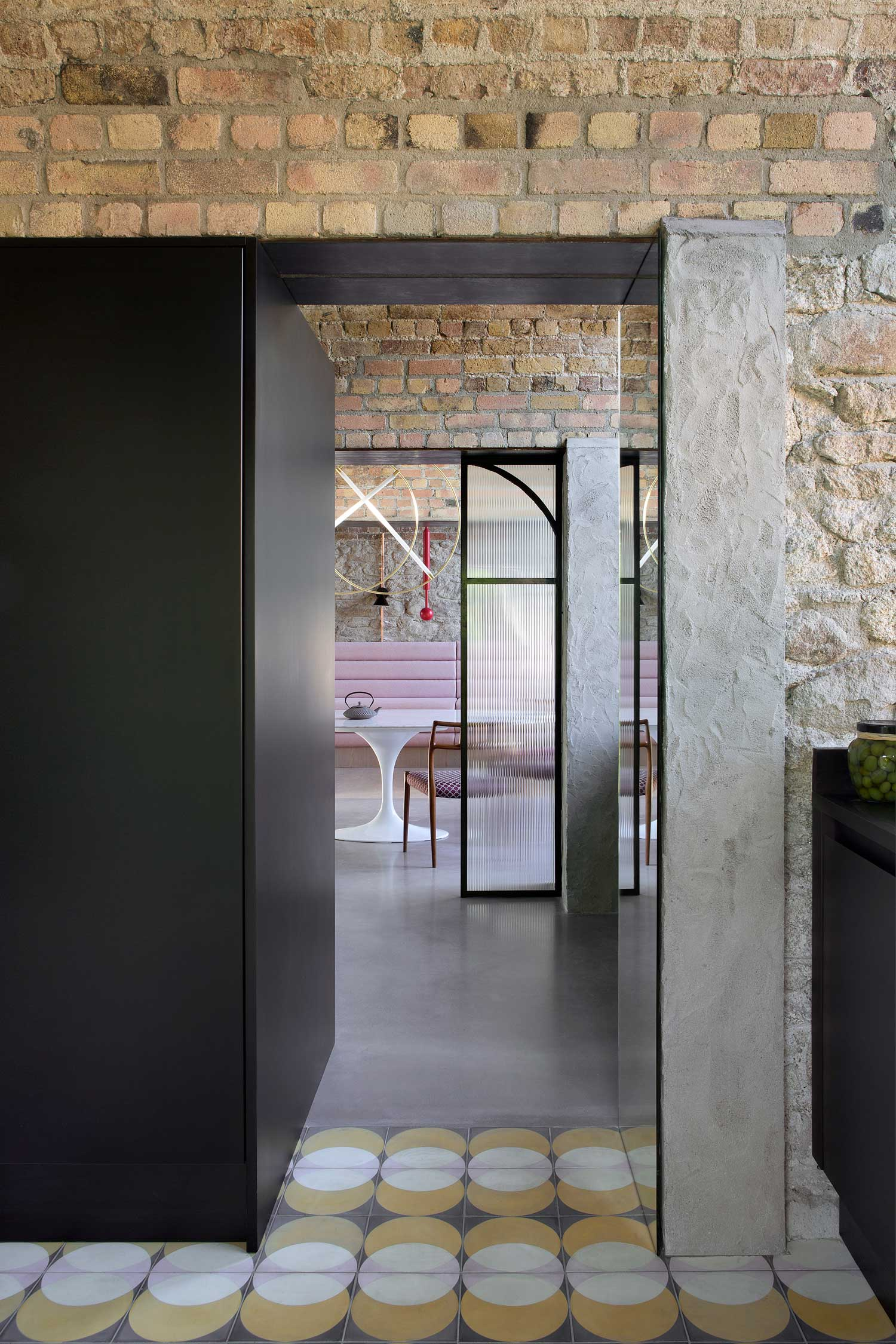 Bolton Coach House in Dublin by Kingston Lafferty Design | Yellowtrace