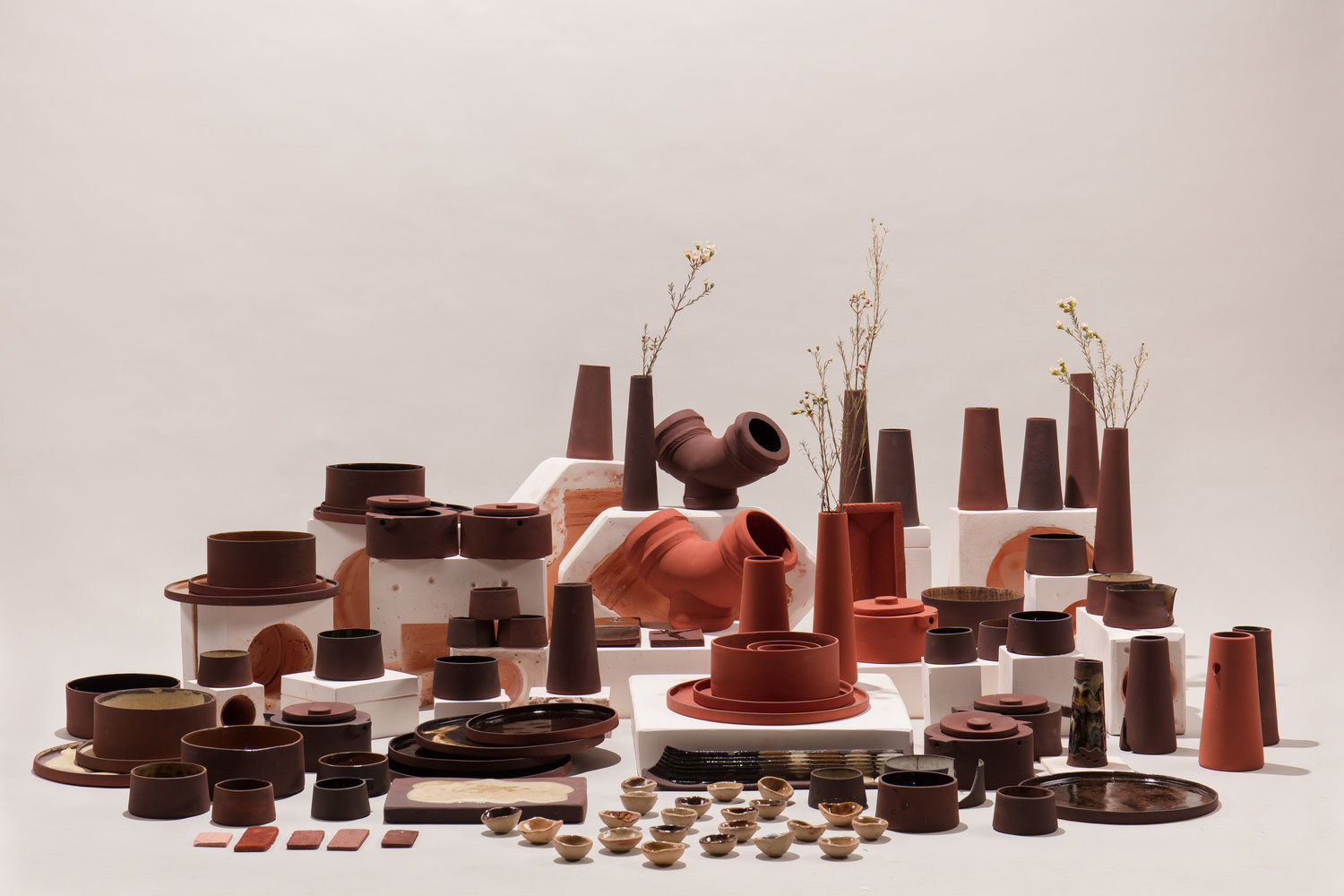 Four Graduates from London's Royal College of Art Create Tabletop Products from Waste Material | Yellowtrace