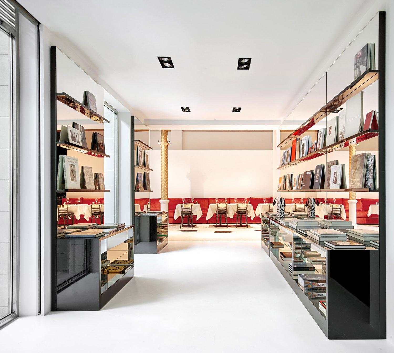 Darial Concept Store in Barcelona by Djaba Diassamidze | Yellowtrace