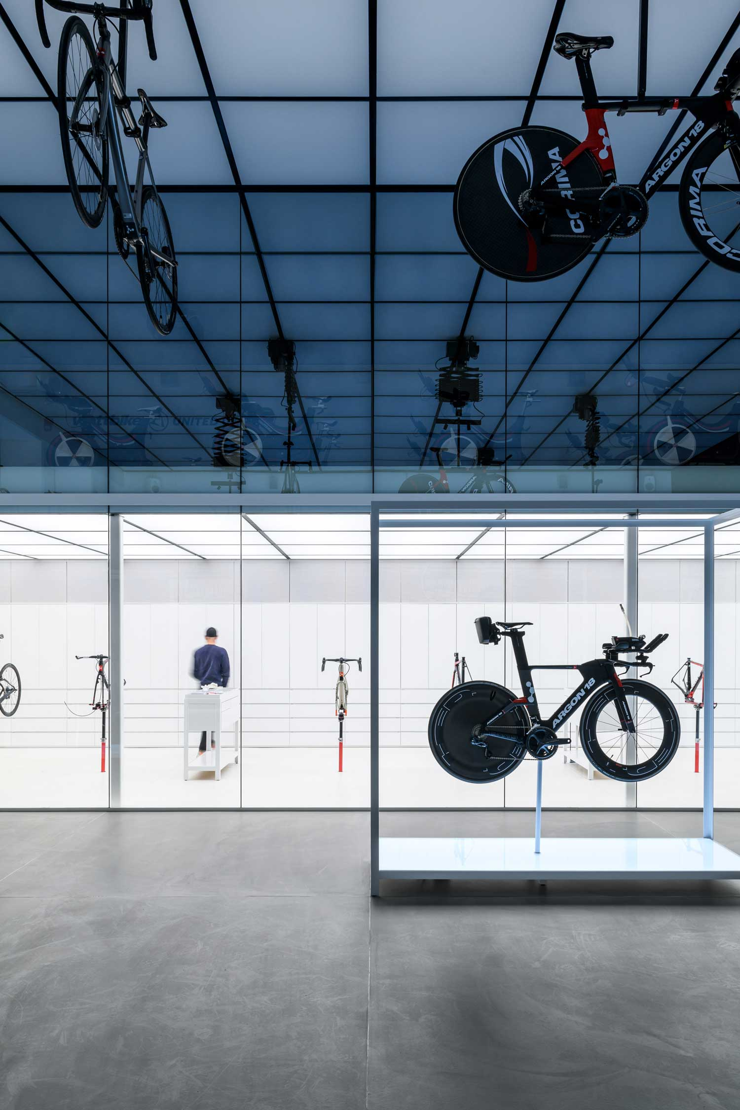 United Cycling LAB & Store in Lynge, Denmark by Johannes Torpe.