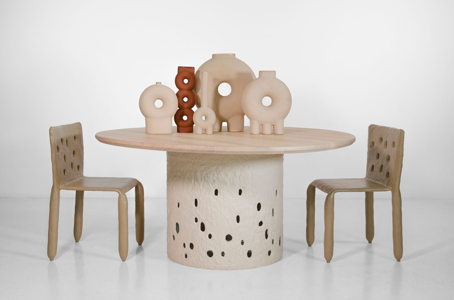 Faina Ztista Table And Chair Collectible 2020 Yellowtrace