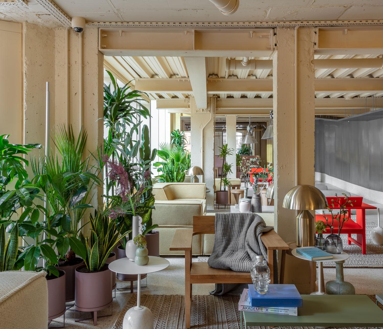 Locke at Broken Wharf London Hotel by Grzywinski Pons | Yellowtrace