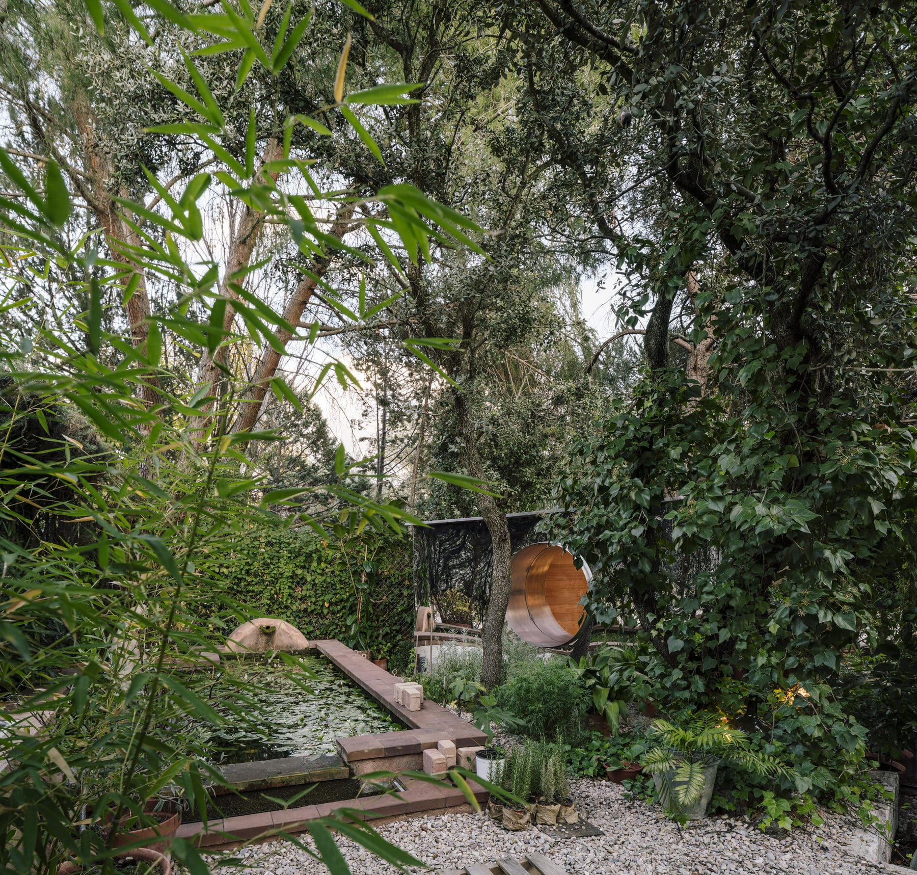 La Madriguera, The Burrow, Madrid by DelaVegaCanolasso Architects | Yellowtrace