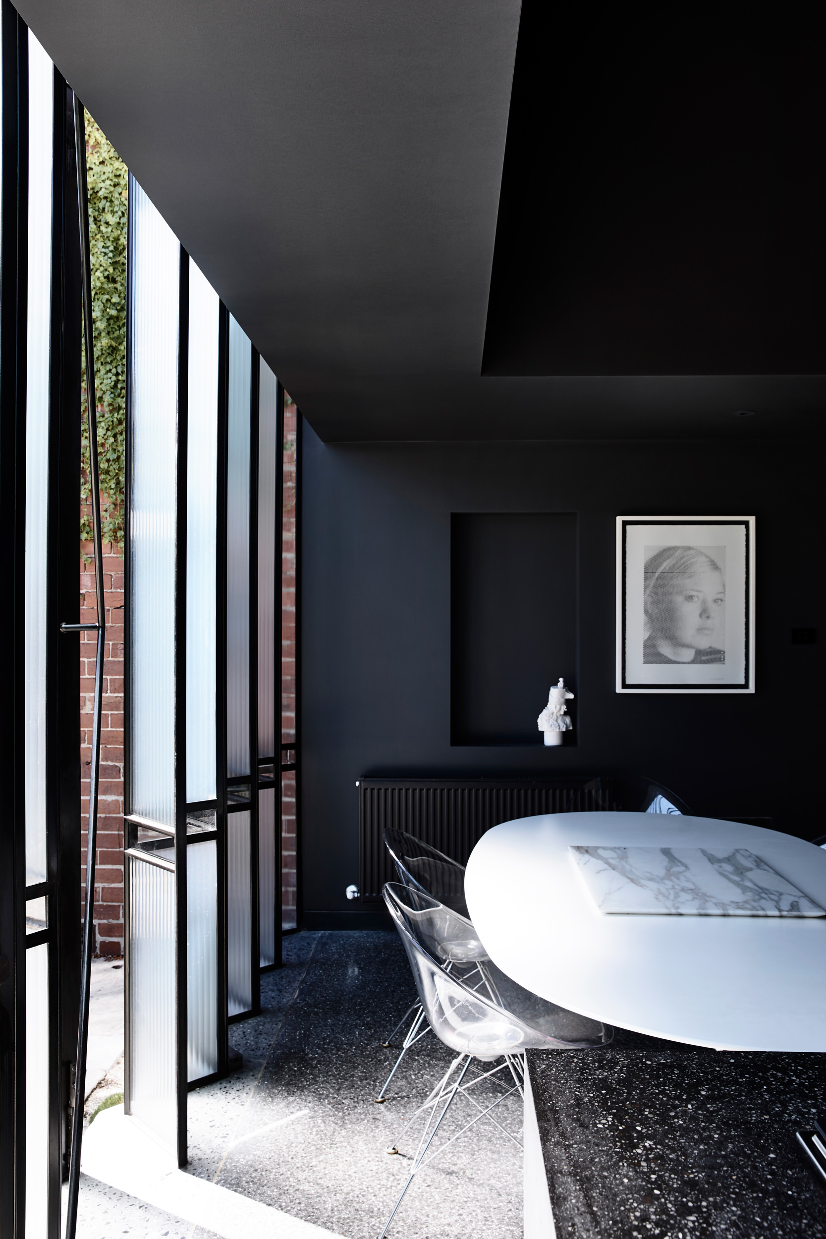 Powell Street House South Yarra by Robert Simeoni, Australian Architecture, Photo Derek Swalwell | Yellowtrace