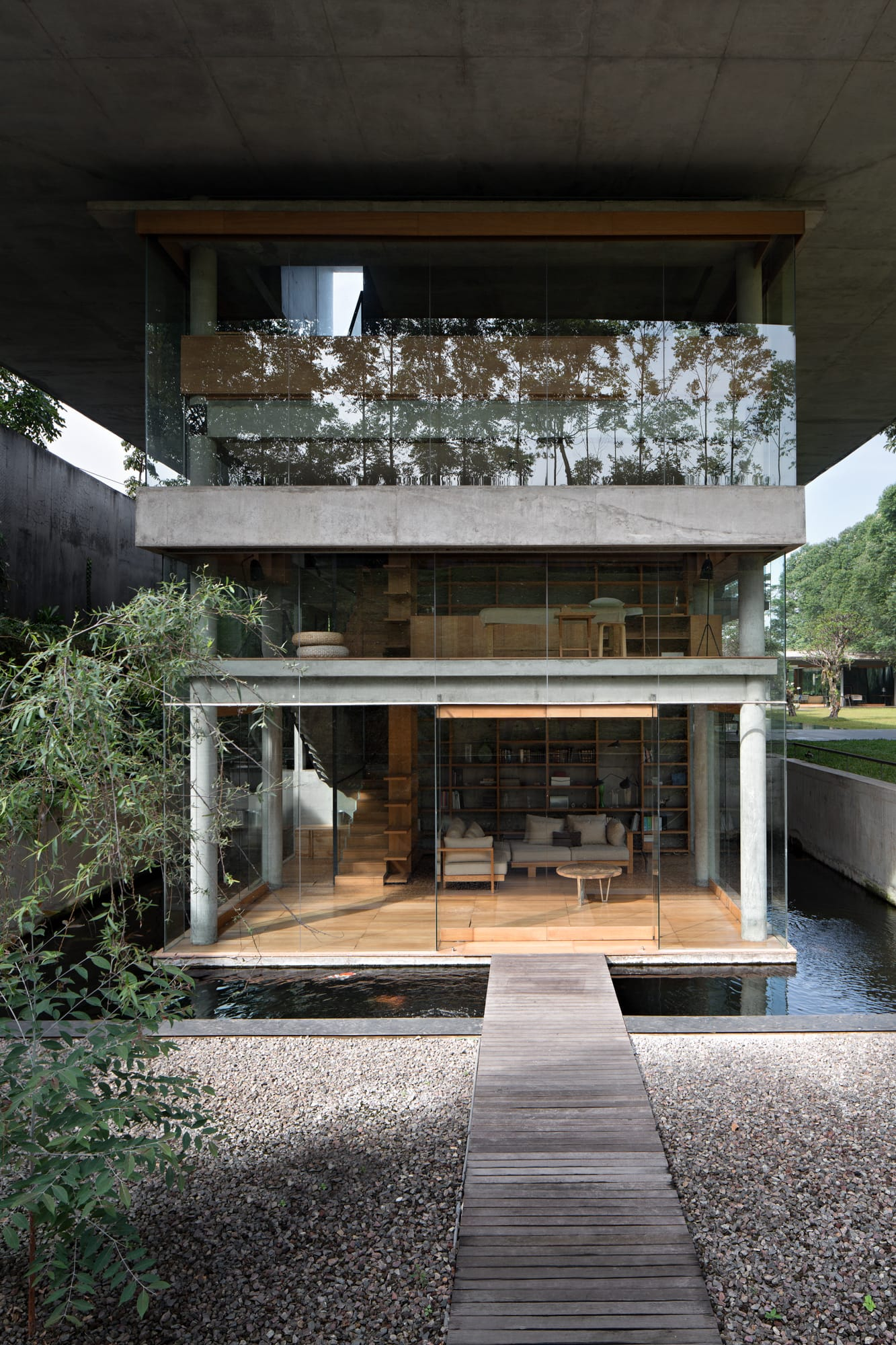 IH Residence in Bandung, Indonesia by Andra Matin.