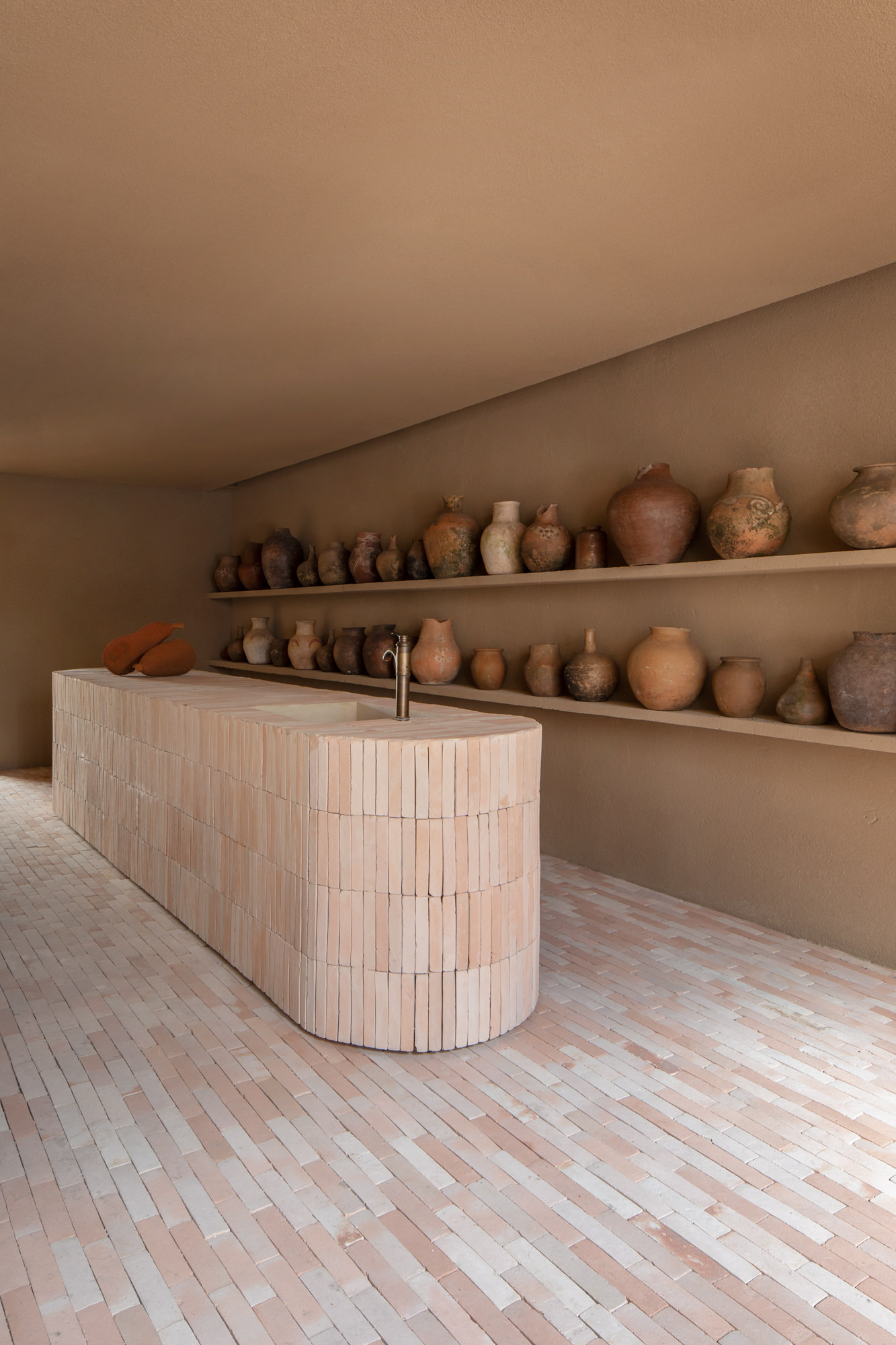Terracotta Dream: Dois Tropicos, Sao Paulo Store Restaurant, MNMA Studio, Photo Andre Klotz | Yellowtrace