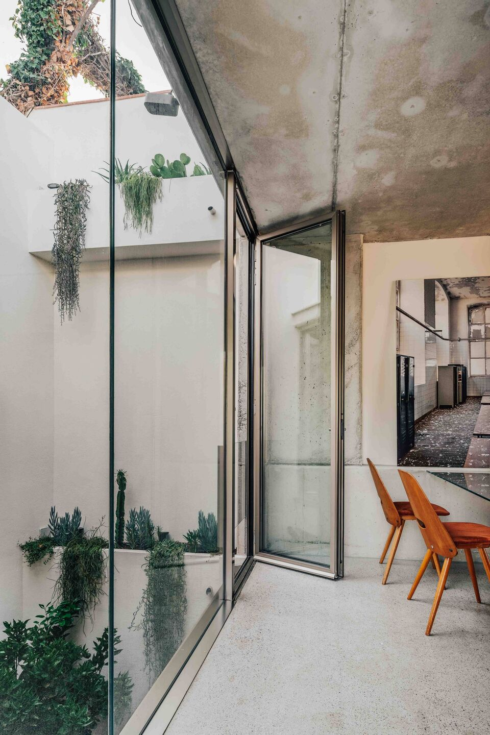 Barbara Appolloni, Shoebox House Barcelona, Residential Design, Photo Christopher Stark | Yellowtrace