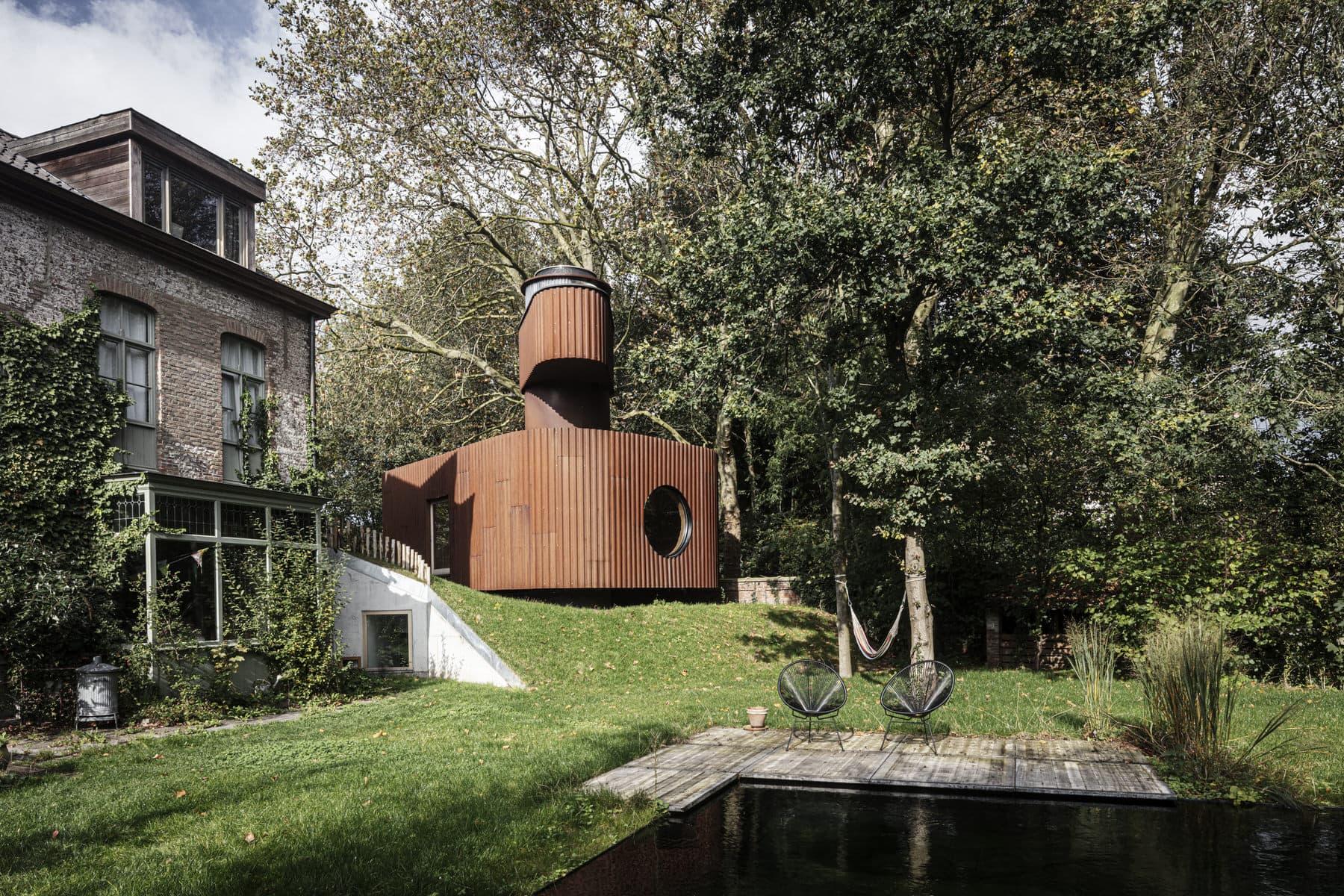 Atelier Vens Vanbelle, Alex Guesthouse & Cinema Space, Ghent Architecture, Photo Tim Van De Velde | Yellowtrace