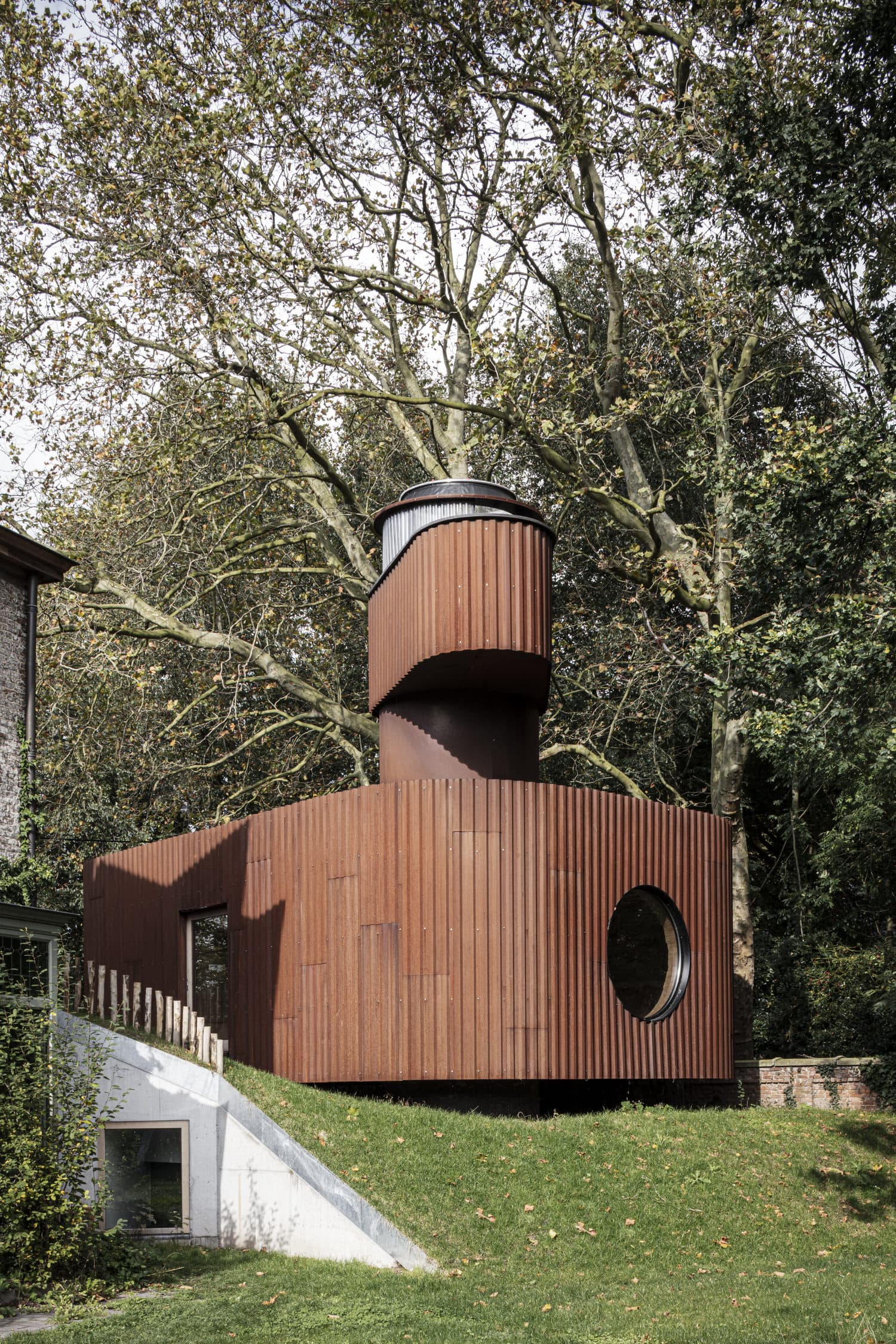 Alex Guesthouse & Cinema Space in Ghent by Atelier Vens Vanbelle.