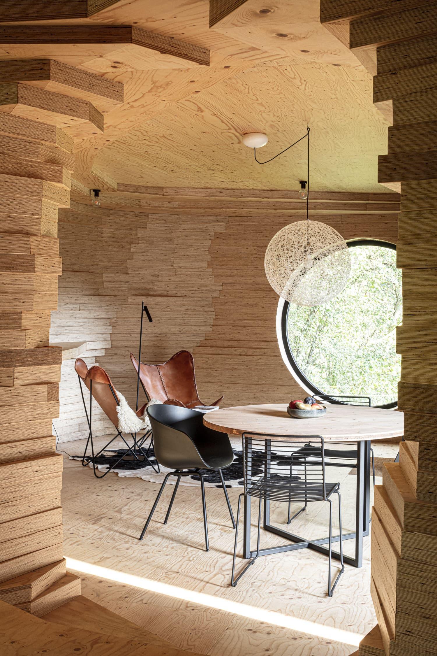 Atelier Vens Vanbelle, Alex Guesthouse & Cinema Space, Ghent Architecture, Photo Tim Van De Velde   Yellowtrace