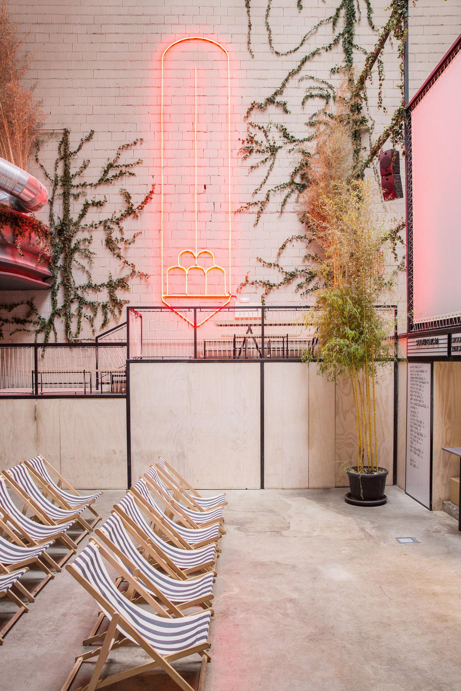 Sala Equis, Madrid Cinema Interiors, Plantea Estudio, Photo Alicia Macias | Yellowtrace