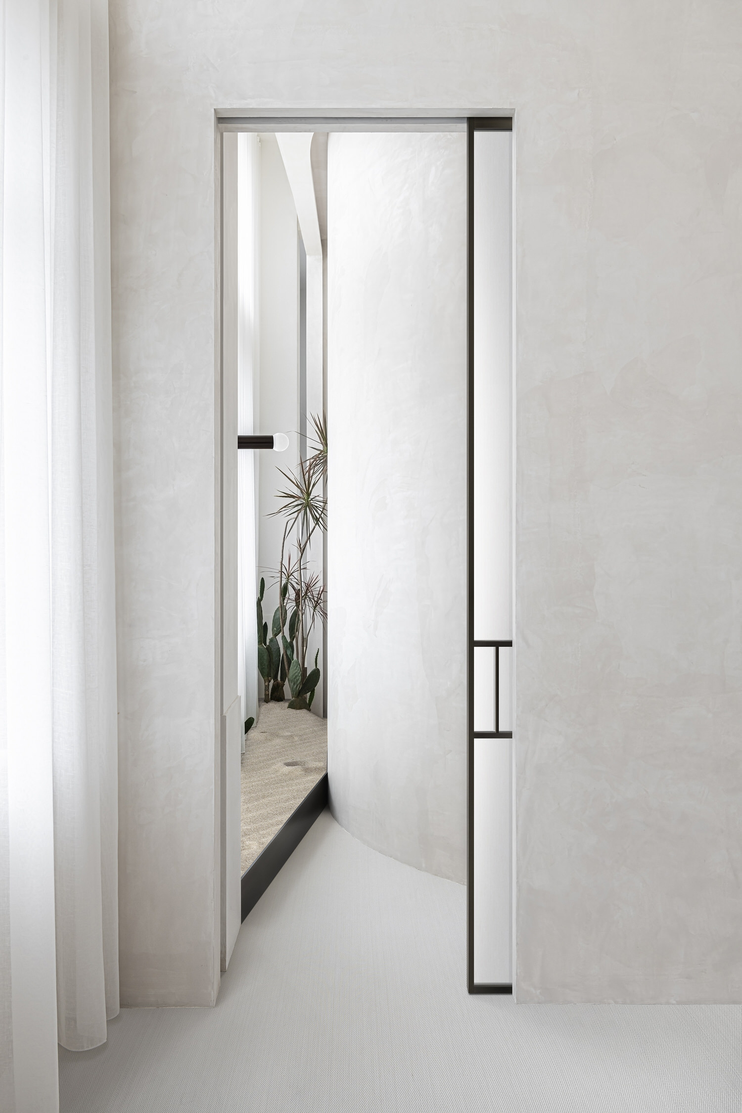EVD Shanghai Design Office, Classical Aesthetic Symmetry, Photo Super Yingxiang | Yellowtrace