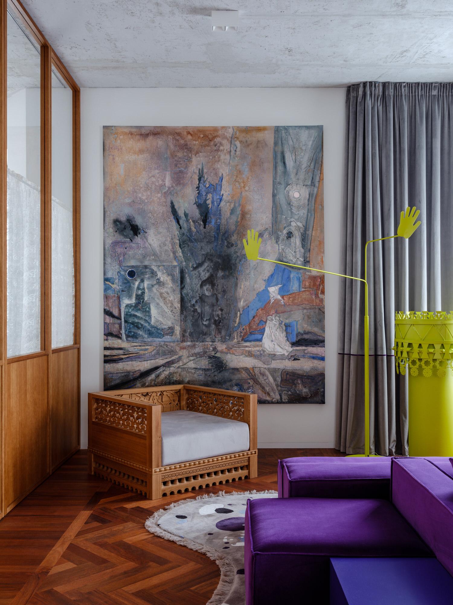 Ksenia Chilingarova Apartment in Moscow by Crosby Studios.