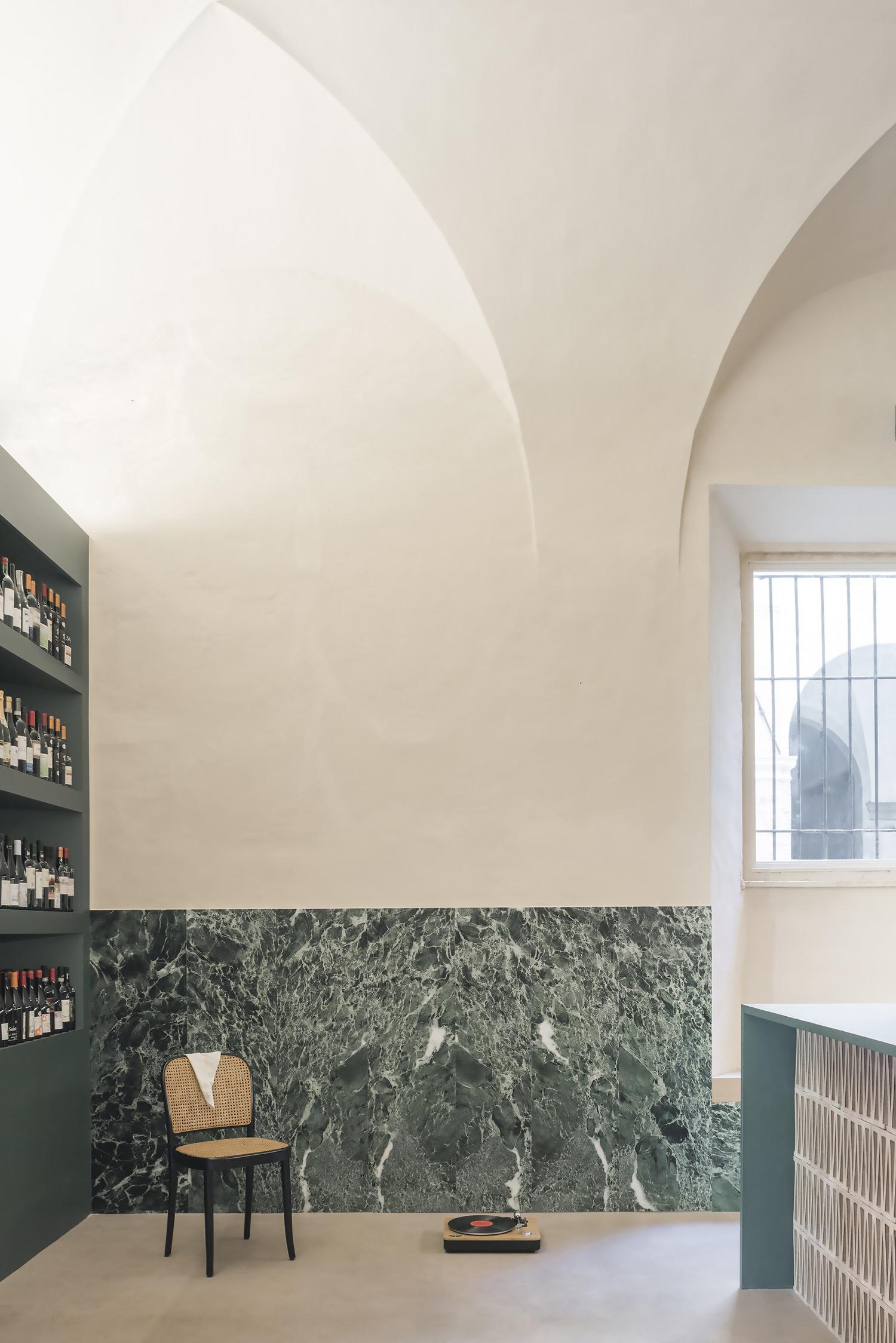 Brunelli Ann Minciacchi, Fano Winery, 16th Century Italian Palazzo, Photo Lorenzo Zandri | Yellowtrace