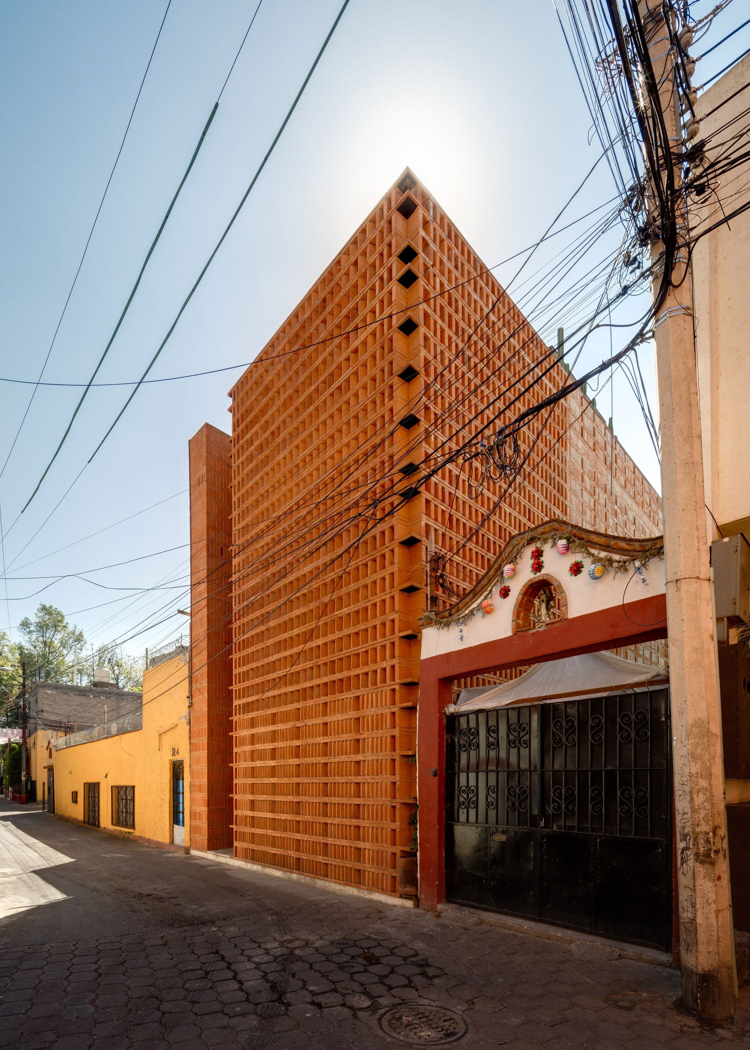 Iturbide Studio Mexico City Brick Architecture Taller Mauricio Rocha Gabriela Carrillo Yellowtrace 01