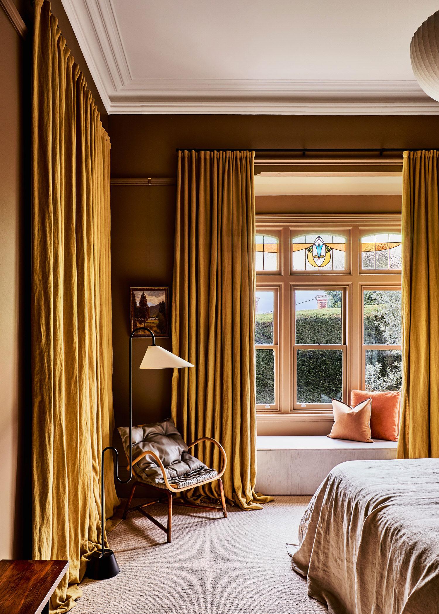 Kew House, Fiona Lynch Office, Photo Amelia Stanwix, Australian Homes | Yellowtrace