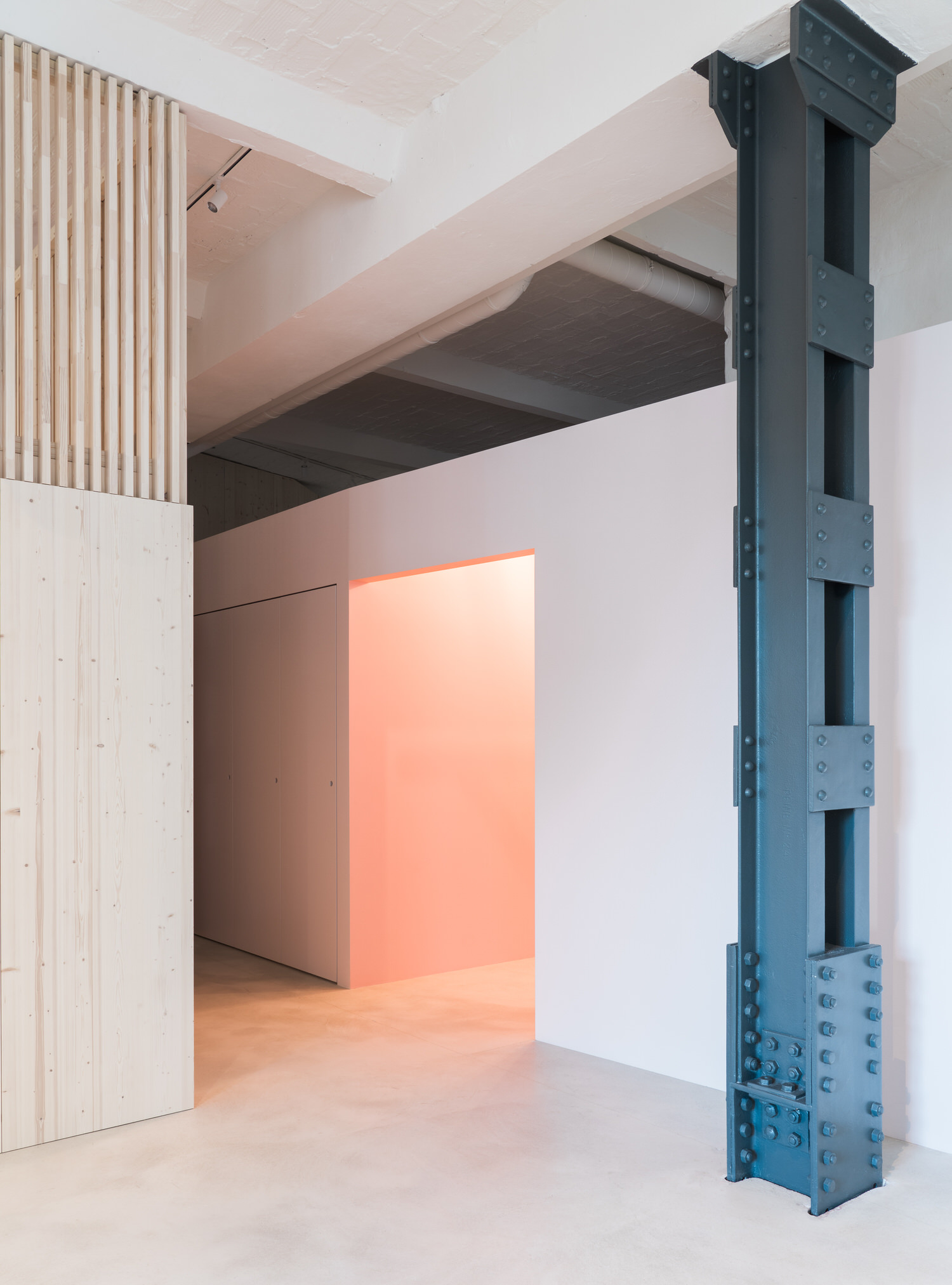 Batek Architekten, SCH52 Loft Berlin, Photo Marcus Wend | Yellowtrace