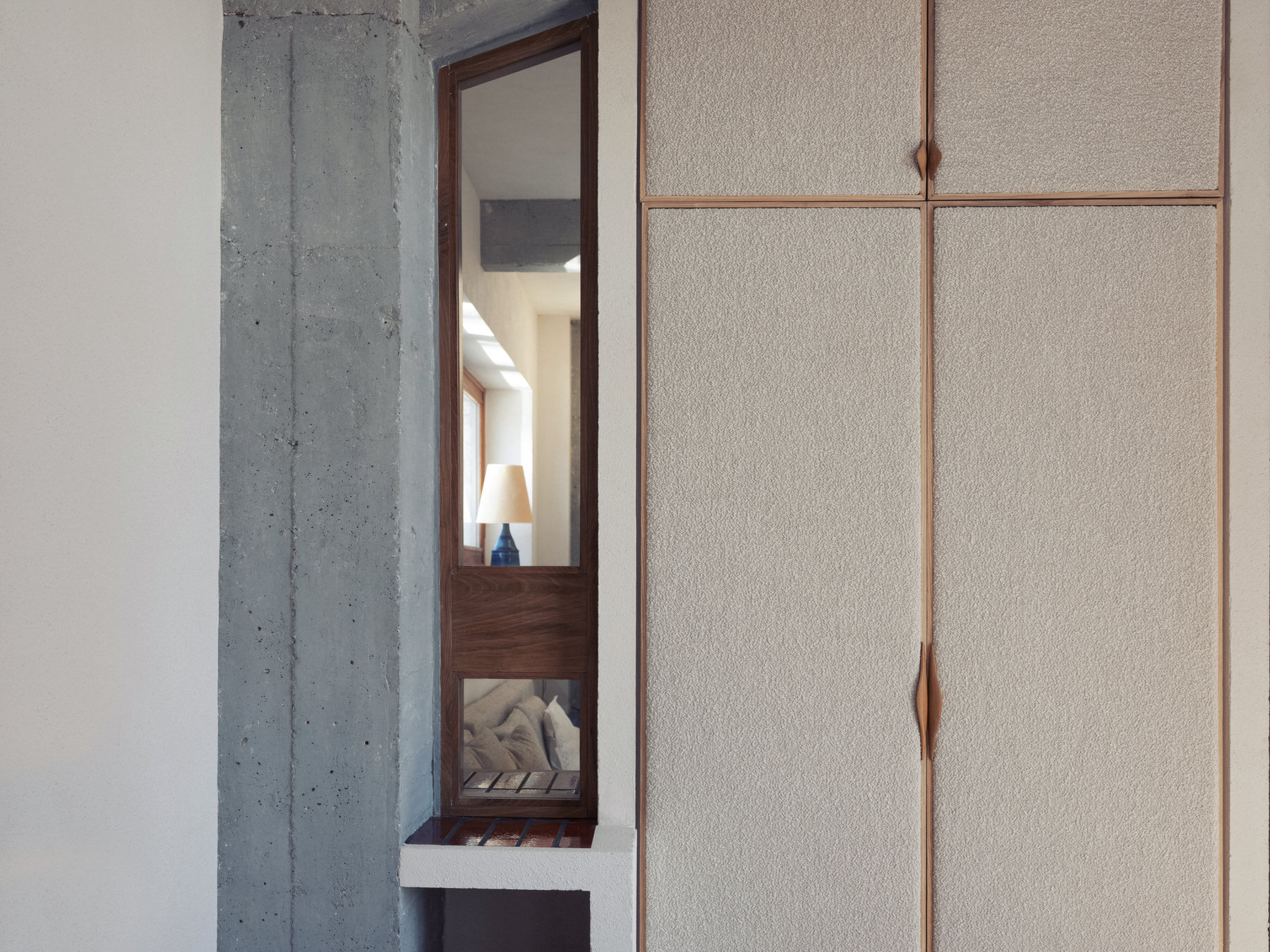 Elegantly Utilitarian, Paris Apartment by Ludivine Billaud, Photo Cecile Bortoletti | Yellowtrace