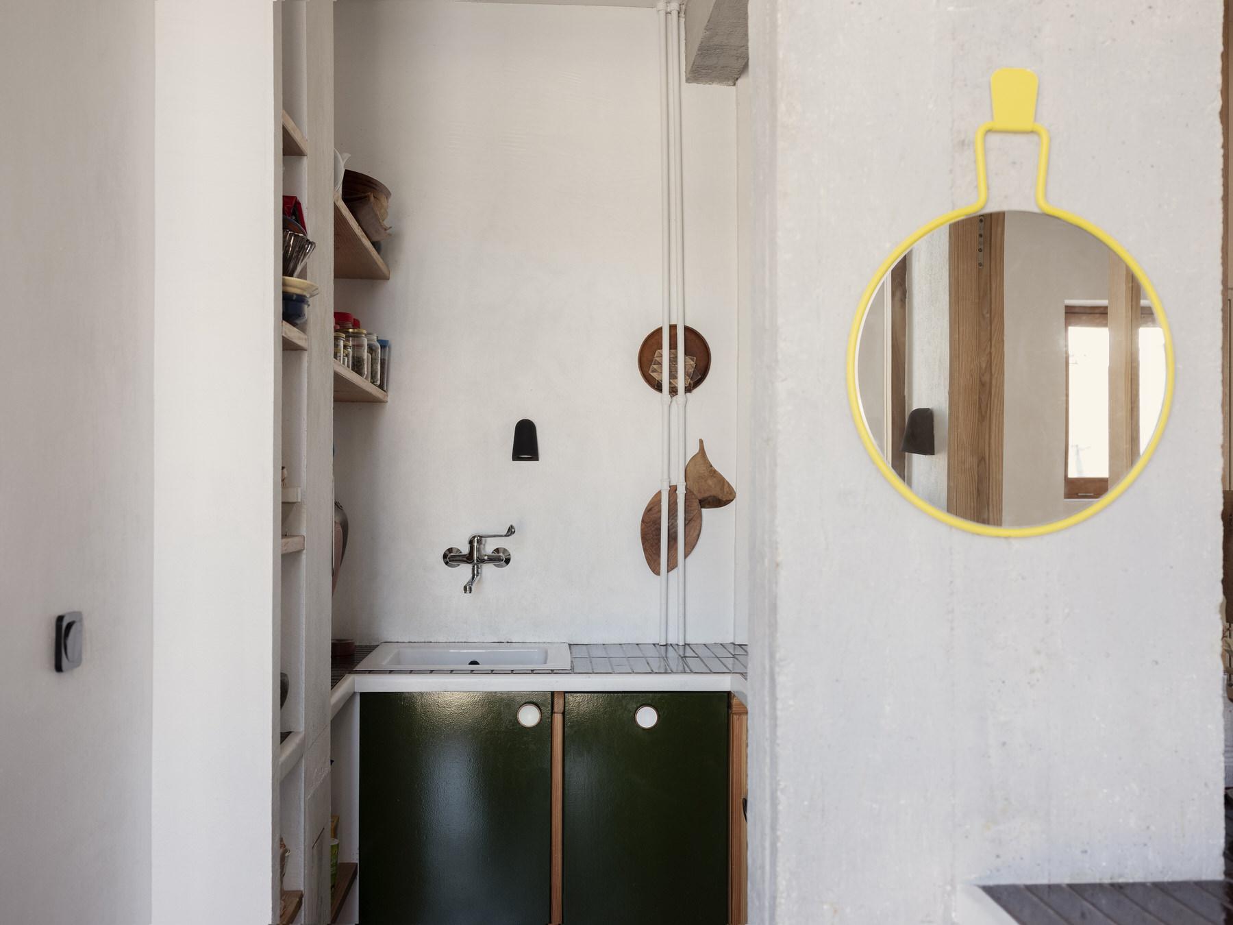 Elegantly Utilitarian, Paris Apartment by Ludivine Billaud, Photo Cecile Bortoletti   Yellowtrace