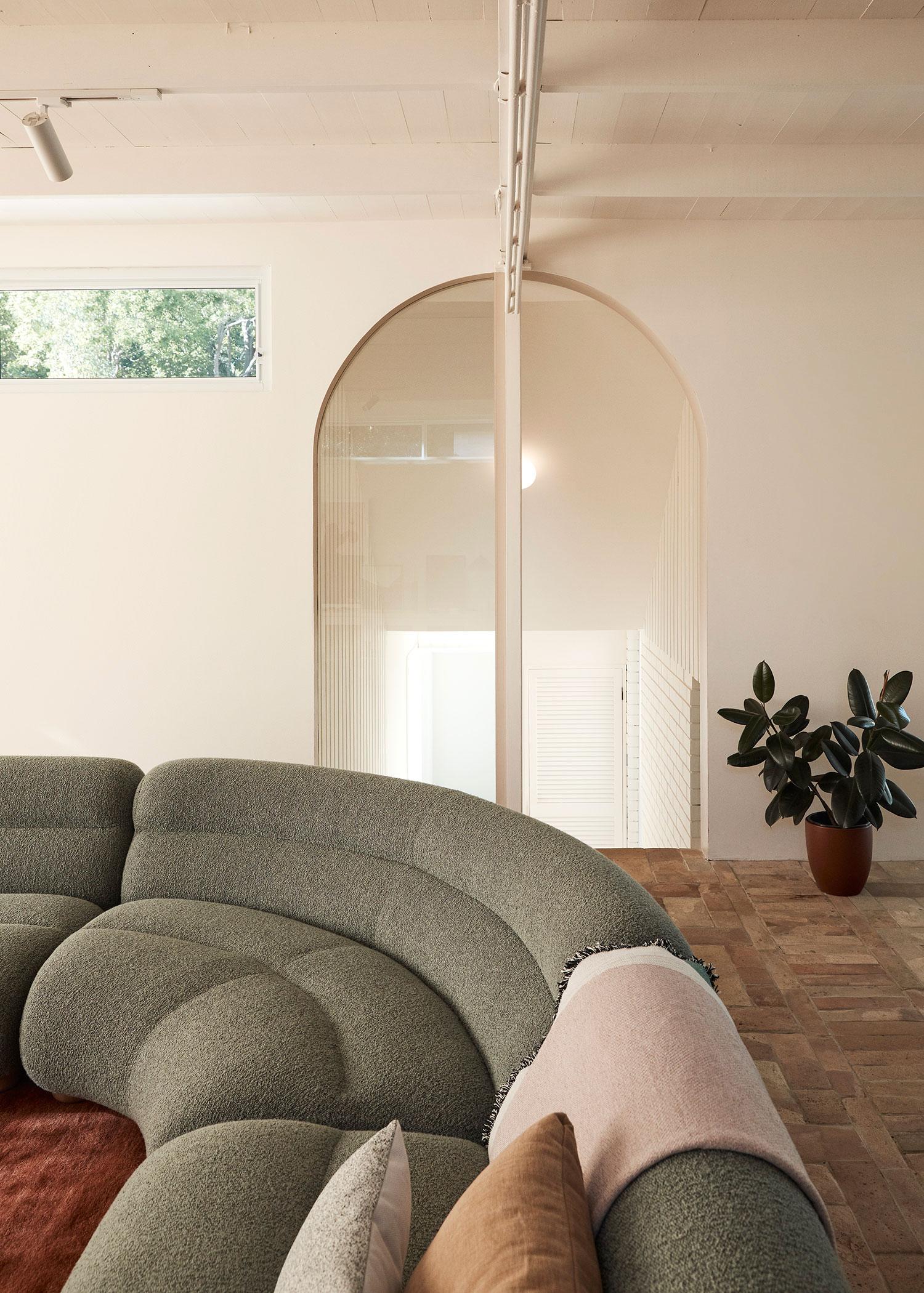 Wahroonga House, Tom Mark Henry, Sydney Homes, Photo Damian Bennett   Yellowtrace