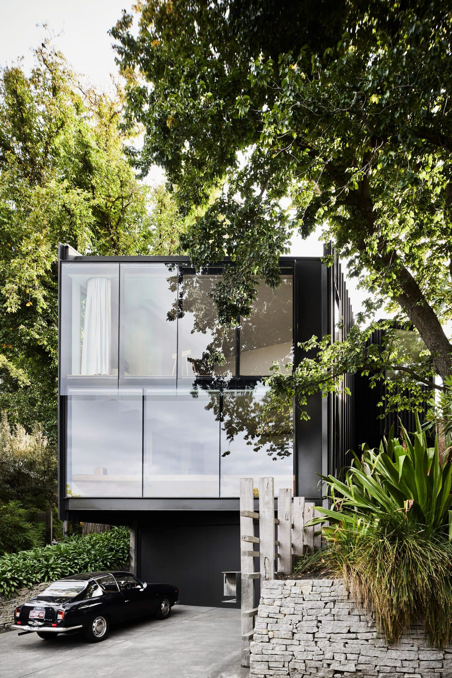 Kew Residence, John Wardle Architects, Modern House, Photo Sharyn Cairns | Yellowtrace