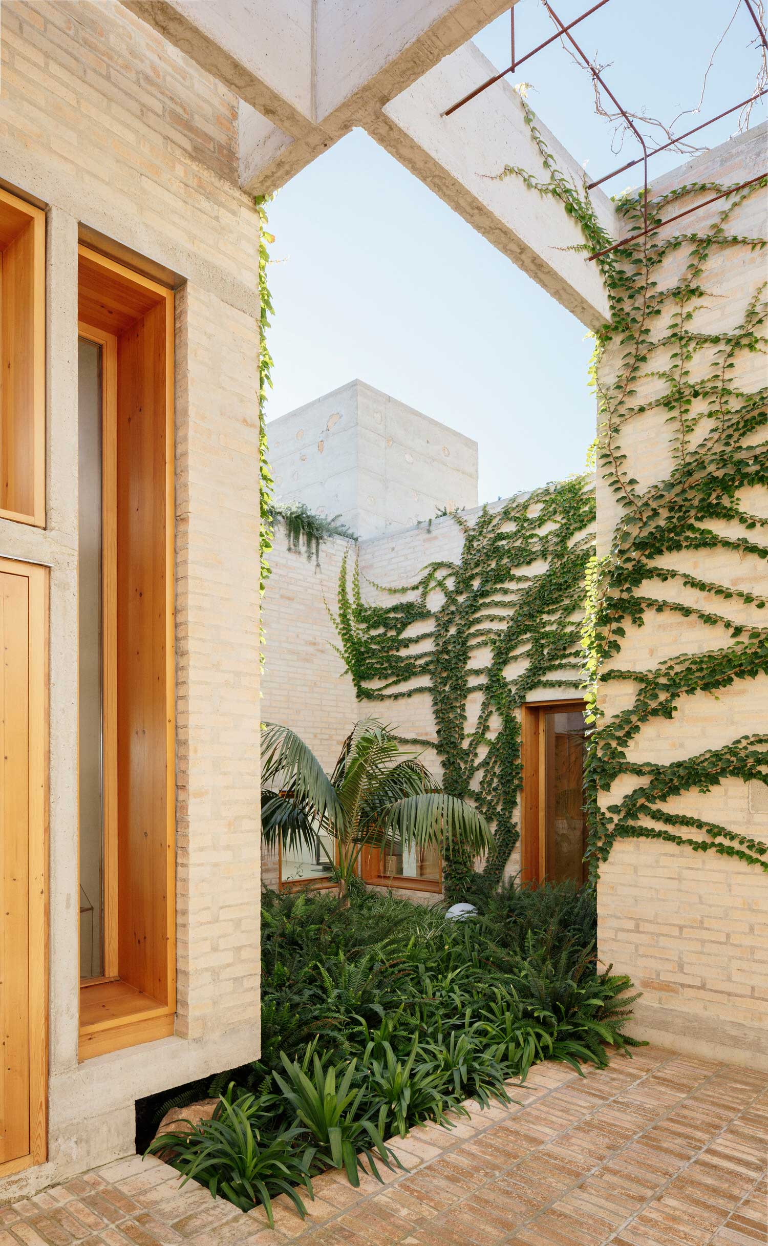 Courtyard House Reinvented: Can Jaime i n' Isabelle in Palma, Mallorca by TedA Arquitectes.