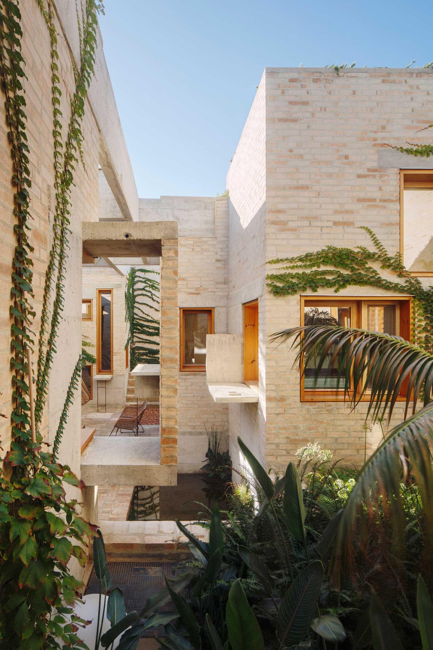 Ted'A Arquitectes, Can Jaime i n' Isabelle, Palma de Mallorca Architecture, Photo Luis Diaz Diaz   Yellowtrace