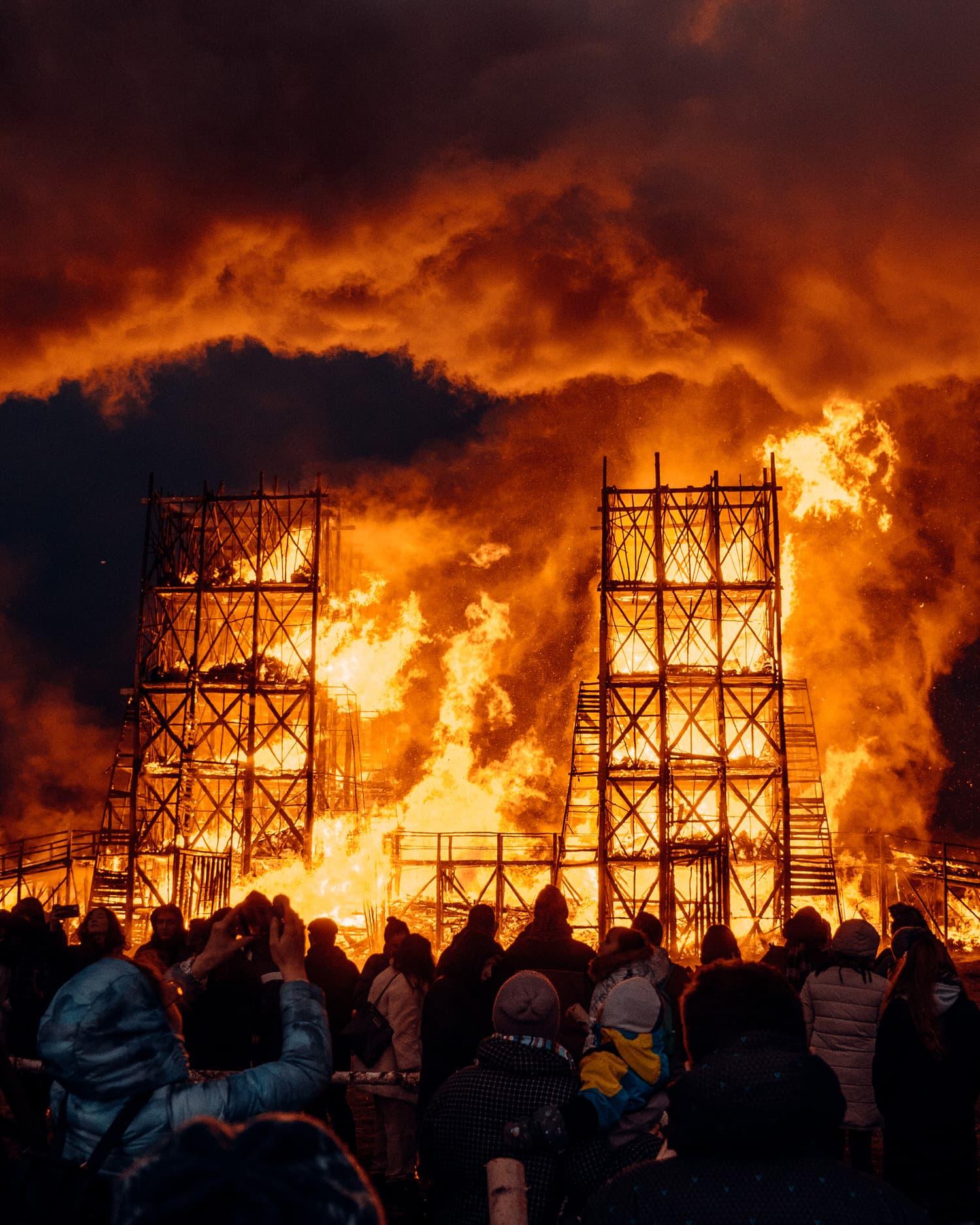 Katarsis, Burning Bridges Installation in Russia, Photo Rustam Shagimordanov   Yellowtrace