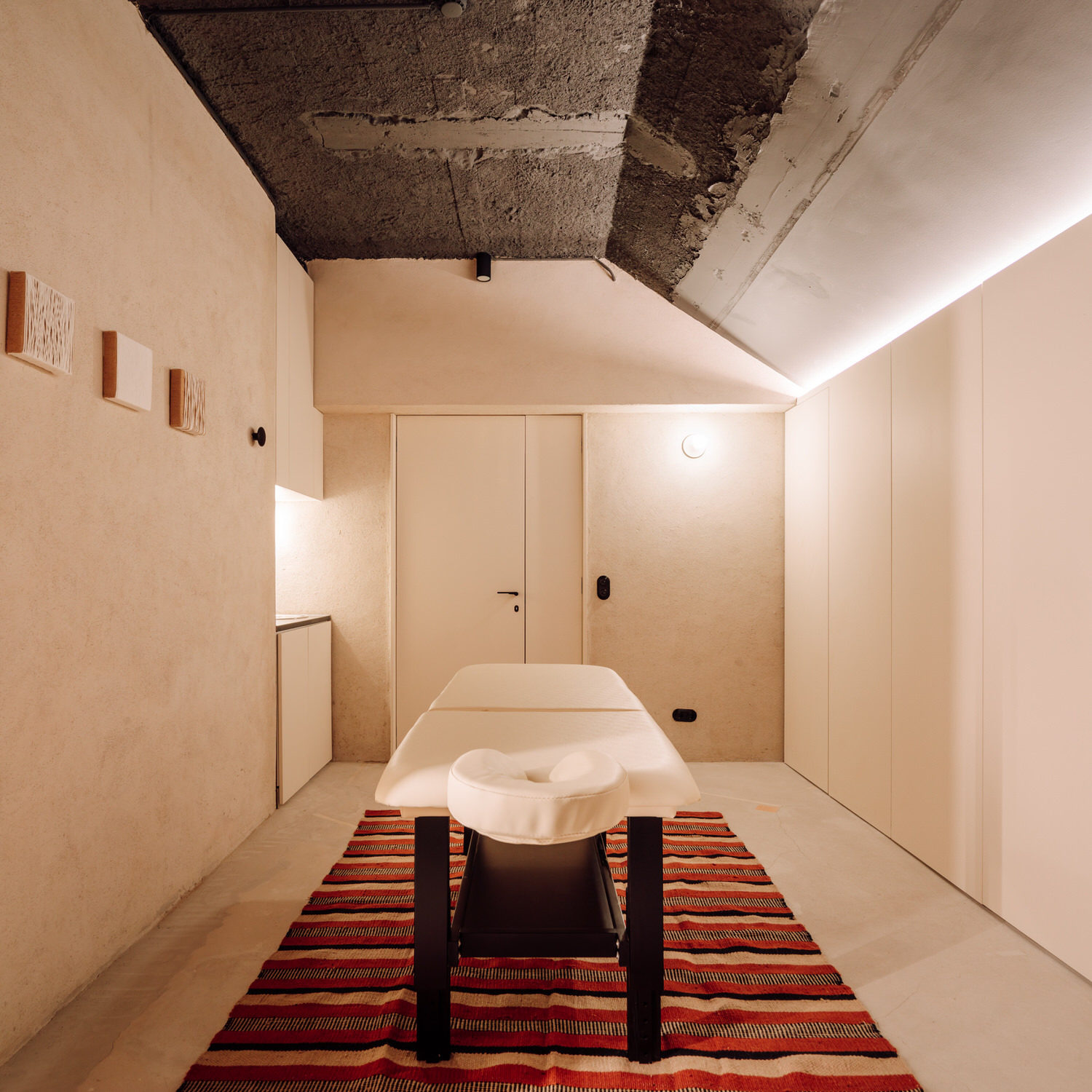 Studio Gameiro, Gladstone Members Wellness Club Lisbon, Photo Francisco Noguera | Yellowtrace