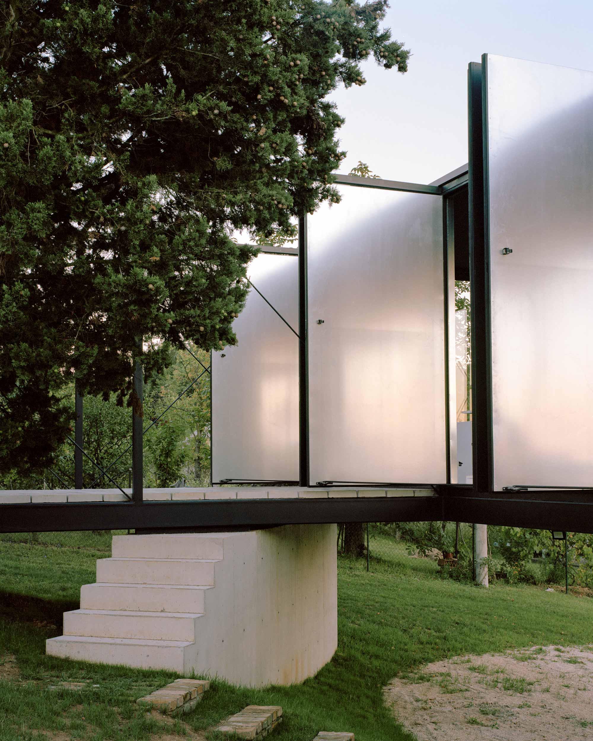 Ten Studio, Avala House Belgrade Architecture, Photo Maxime Delvaux | Yellowtrace