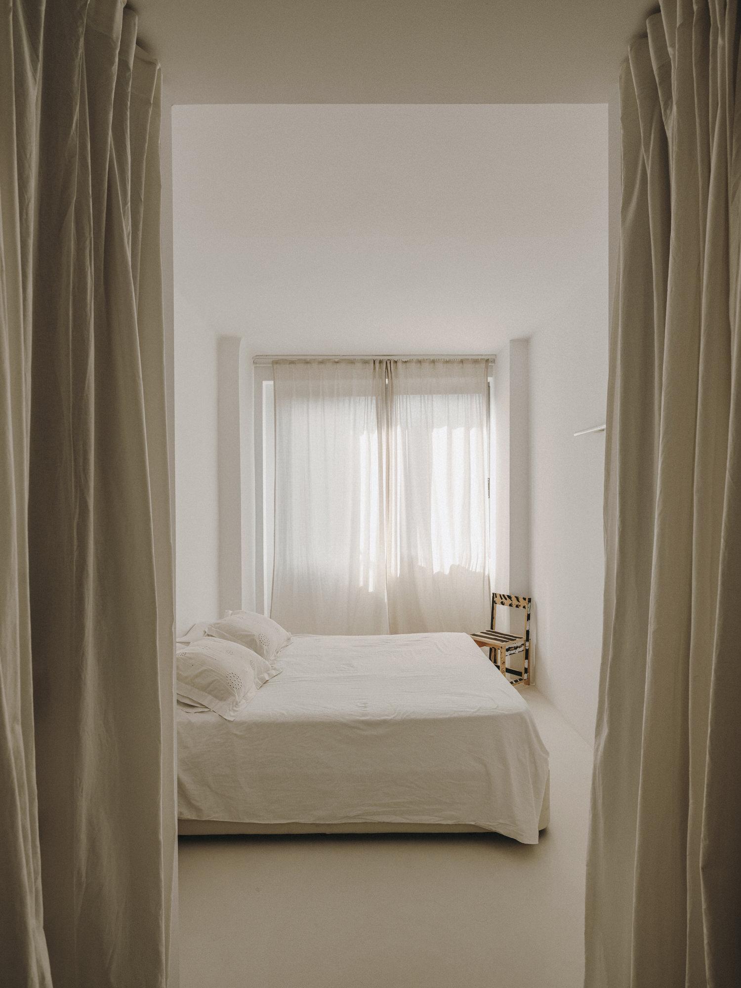 Barcelona Home of Creative Couple, Interior Designer Isern Serra + Ceramist Valeria Vasi, Photo Salva Lopez | Yellowtrace