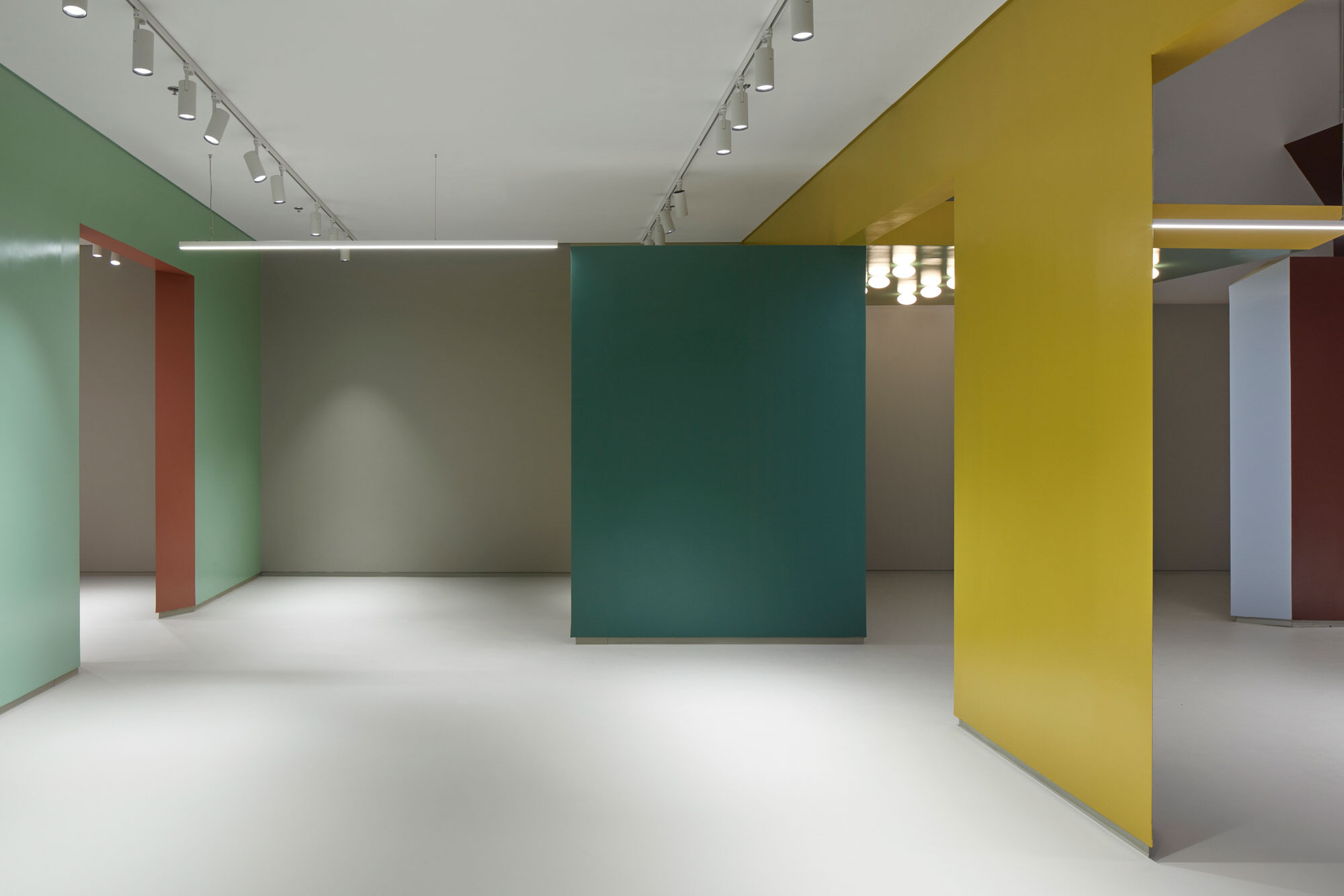 Baranowitz Goldberg Kaza Israel Showroom Interior Design Photo Shai Gil Yellowtrace 23
