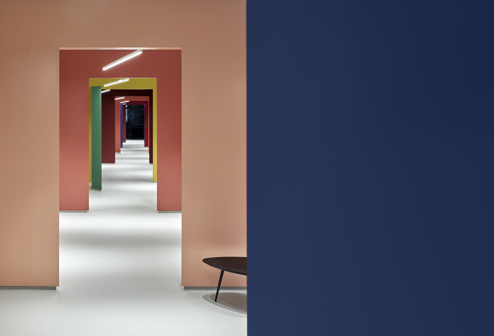 Baranowitz Goldberg Kaza Israel Showroom Interior Design Photo Shai Gil Yellowtrace 24