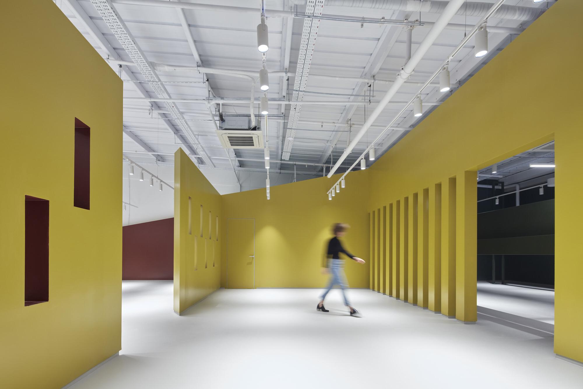Baranowitz Goldberg Kaza Israel Showroom Interior Design Photo Shai Gil Yellowtrace 26